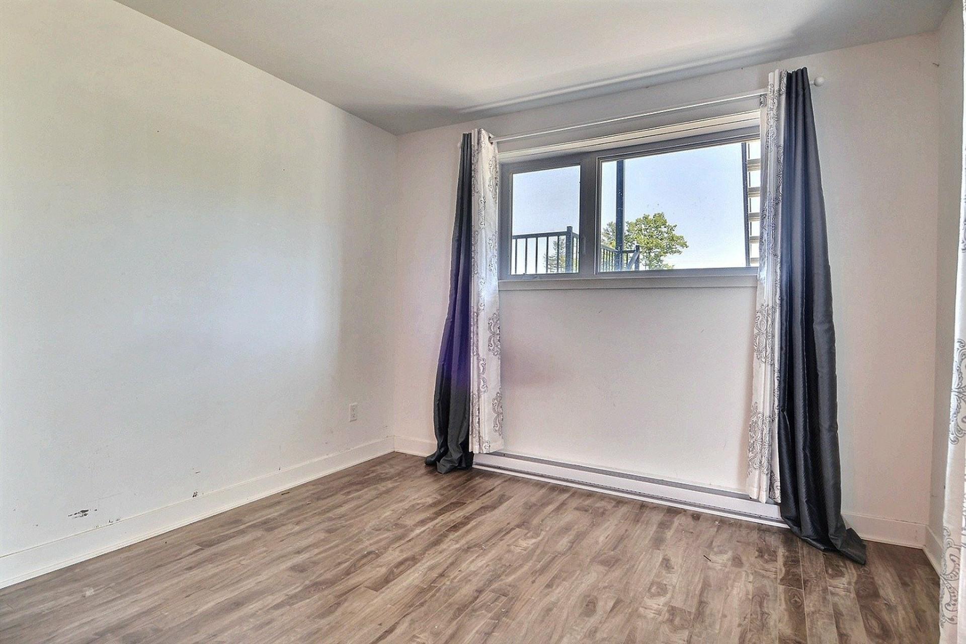 image 6 - Apartment For sale Sainte-Anne-des-Plaines - 4 rooms