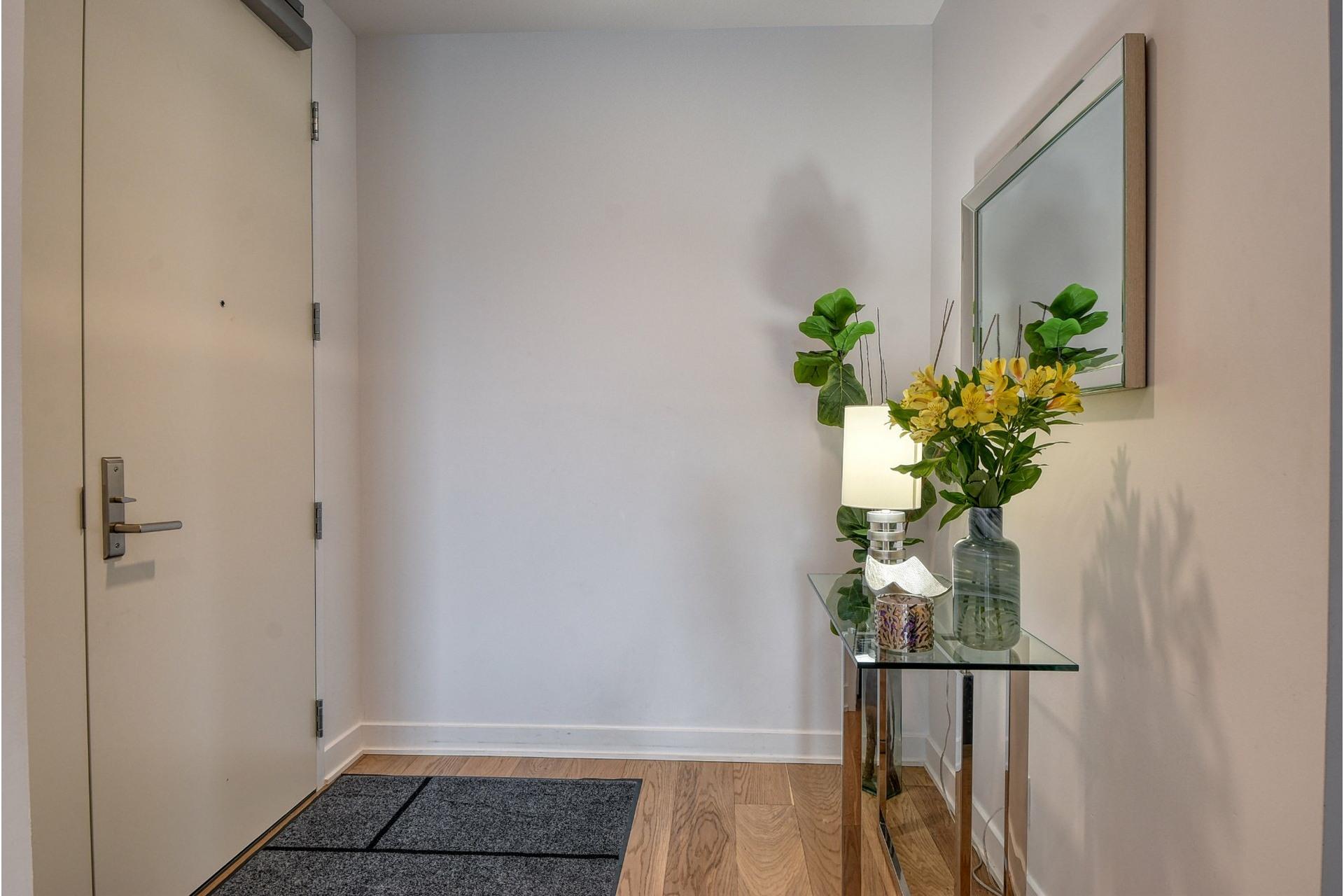 image 18 - Appartement À louer Ville-Marie Montréal  - 6 pièces