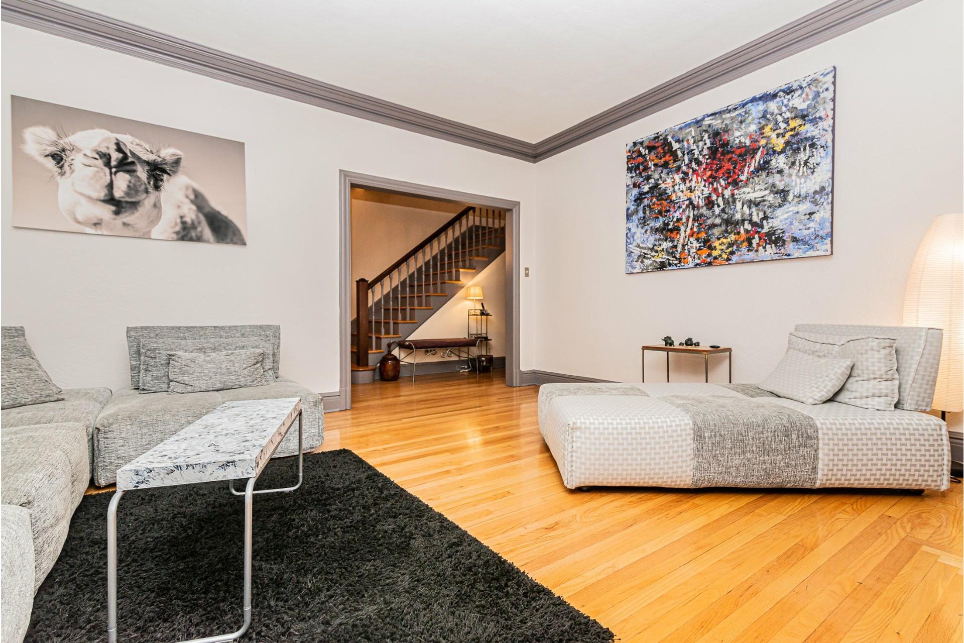 image 4 - House For rent Côte-des-Neiges/Notre-Dame-de-Grâce Montréal  - 9 rooms