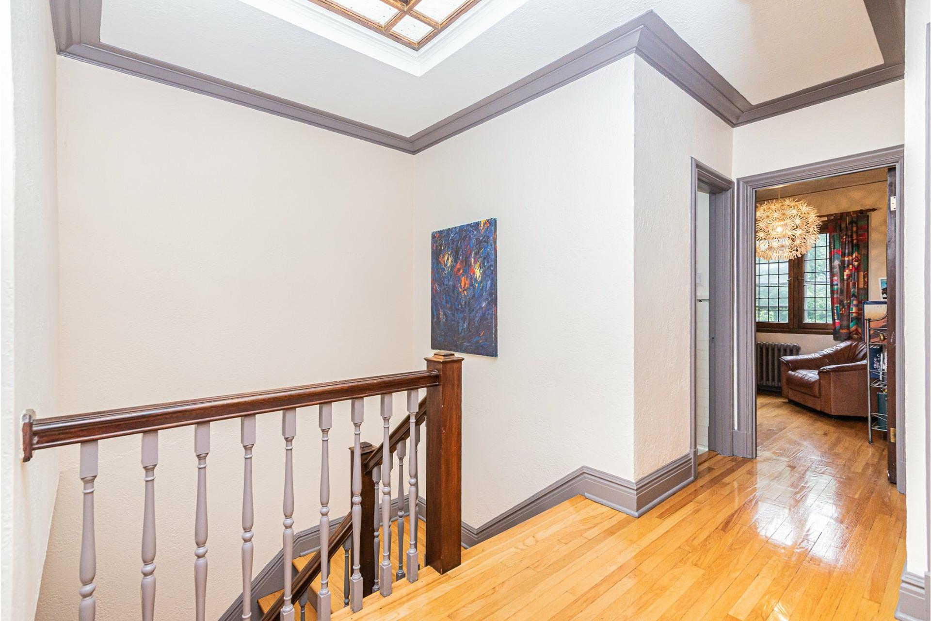 image 14 - House For rent Côte-des-Neiges/Notre-Dame-de-Grâce Montréal  - 9 rooms