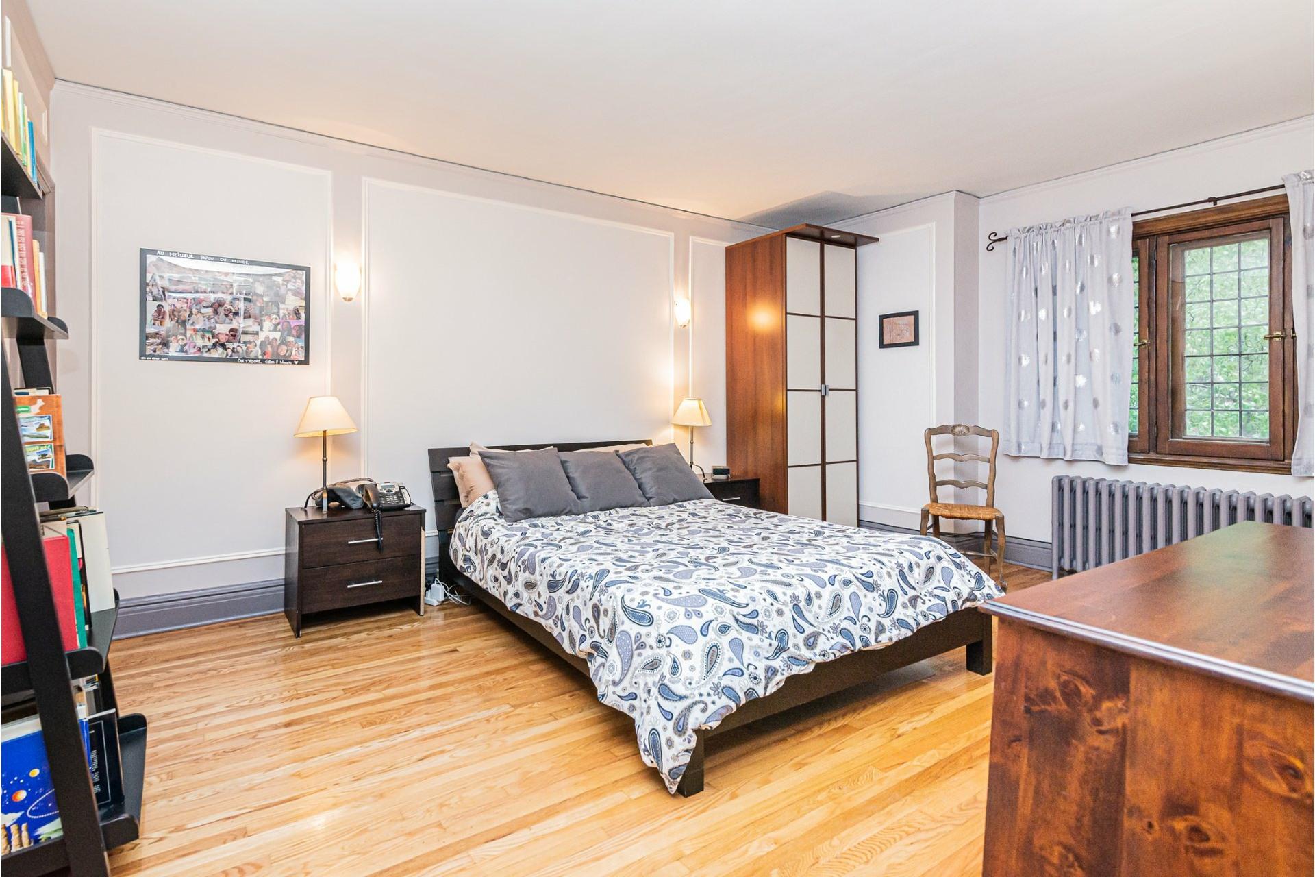image 17 - House For rent Côte-des-Neiges/Notre-Dame-de-Grâce Montréal  - 9 rooms