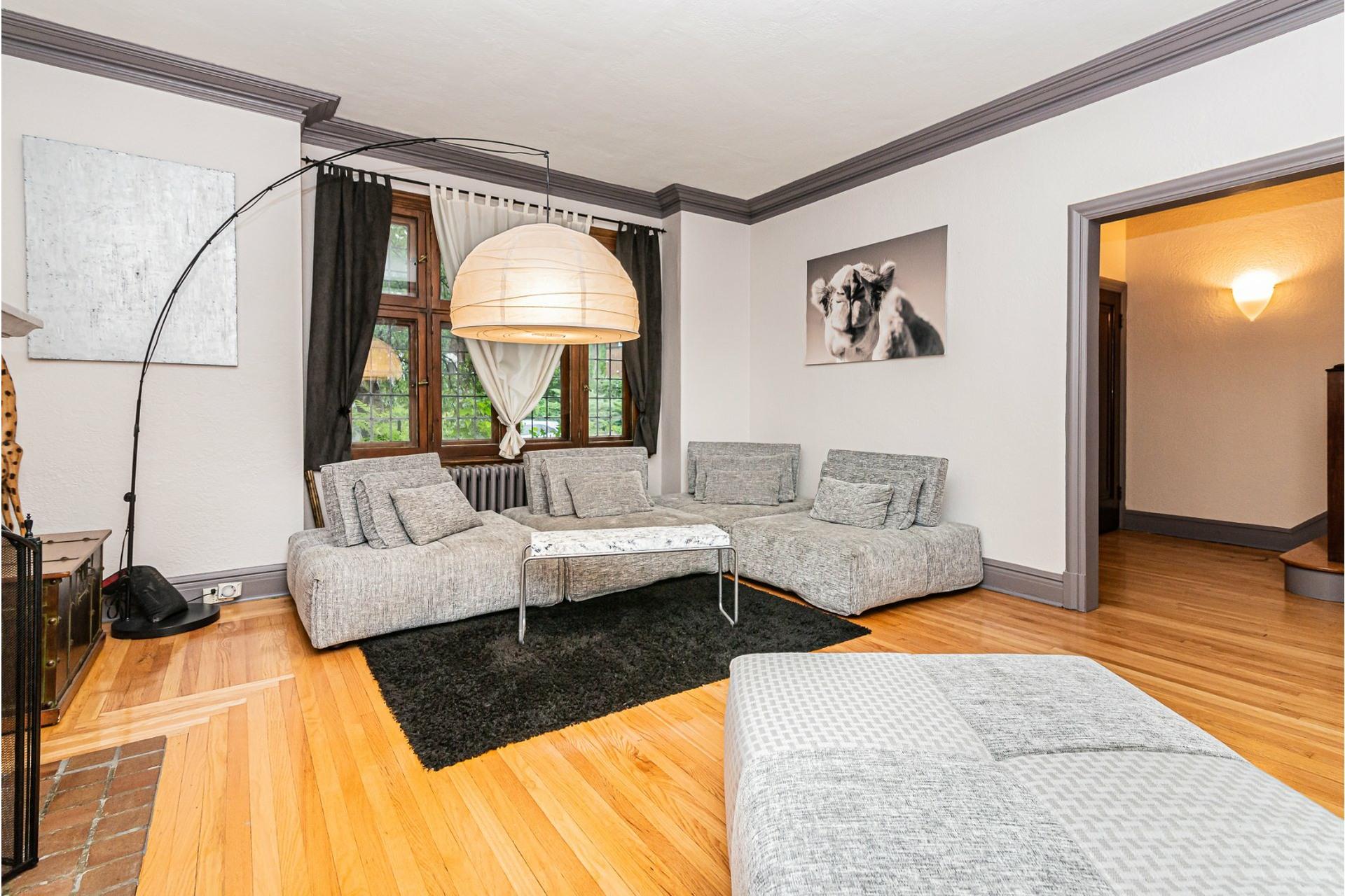 image 3 - House For rent Côte-des-Neiges/Notre-Dame-de-Grâce Montréal  - 9 rooms