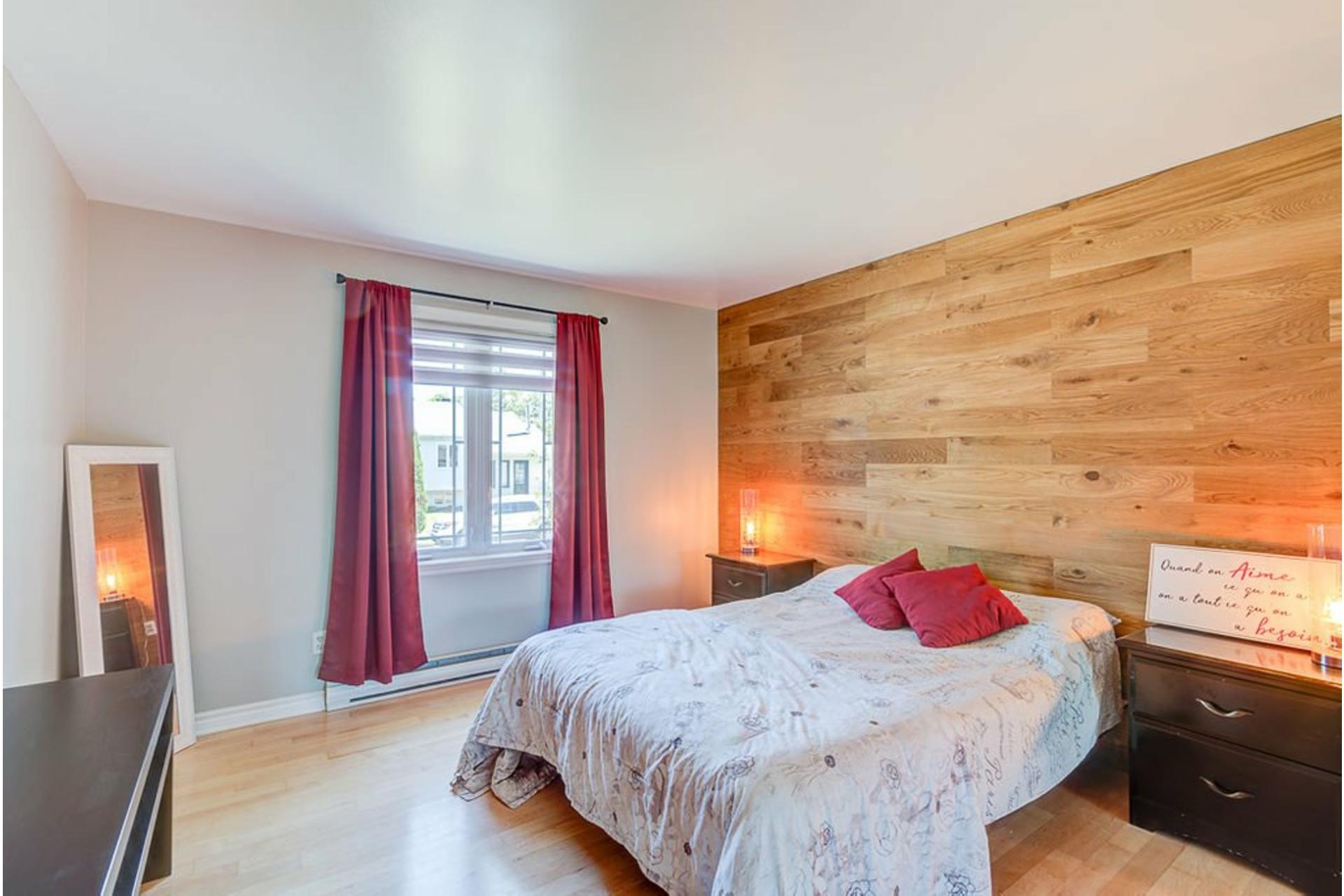 image 16 - House For sale Sainte-Anne-des-Plaines - 13 rooms