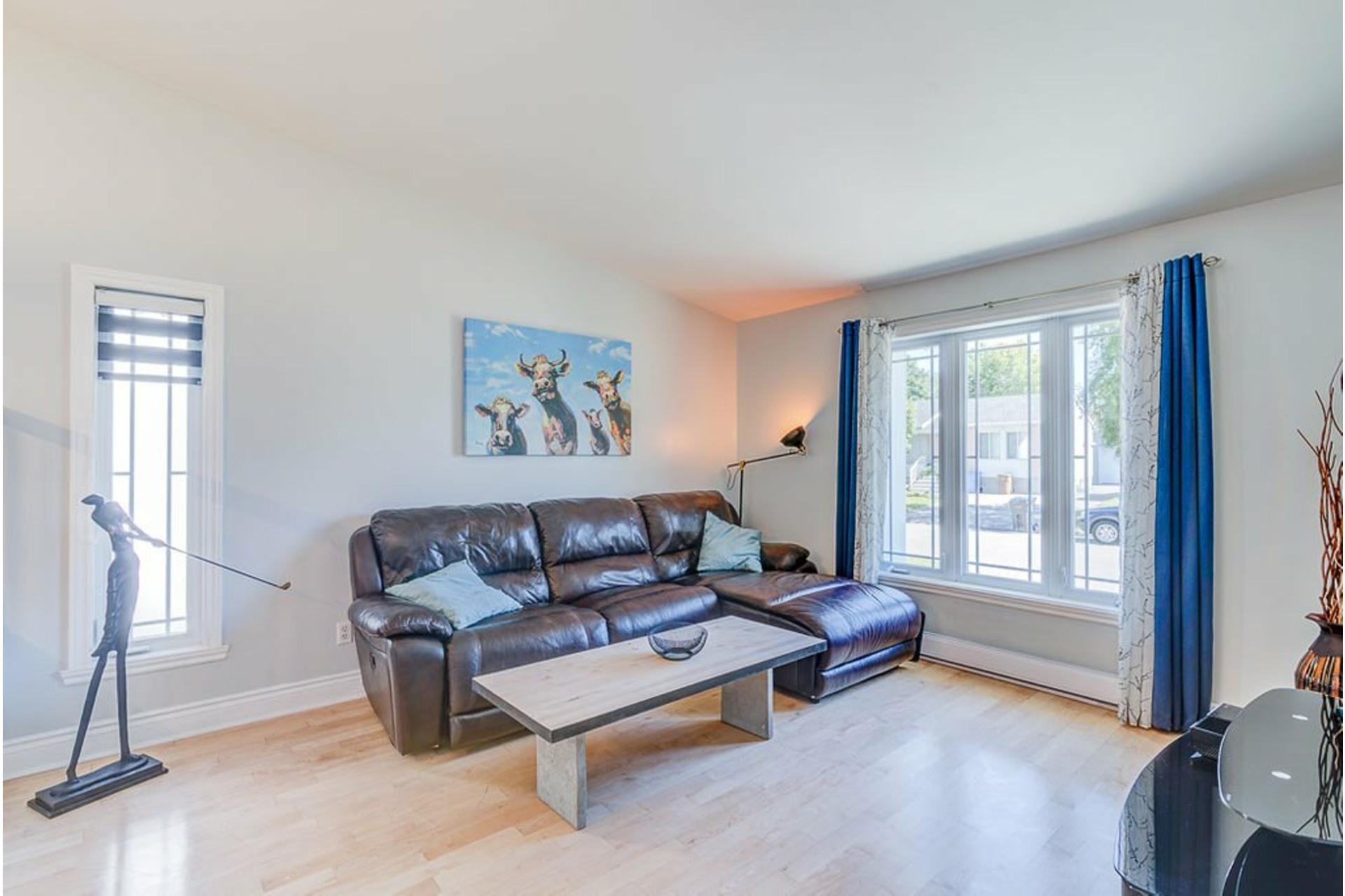 image 3 - Maison À vendre Sainte-Anne-des-Plaines - 13 pièces