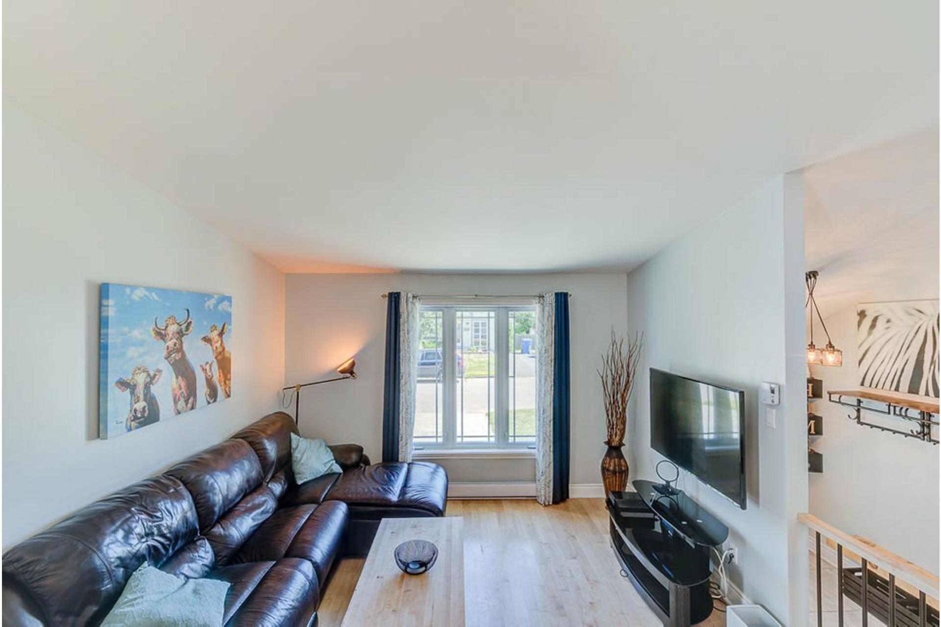 image 4 - House For sale Sainte-Anne-des-Plaines - 13 rooms