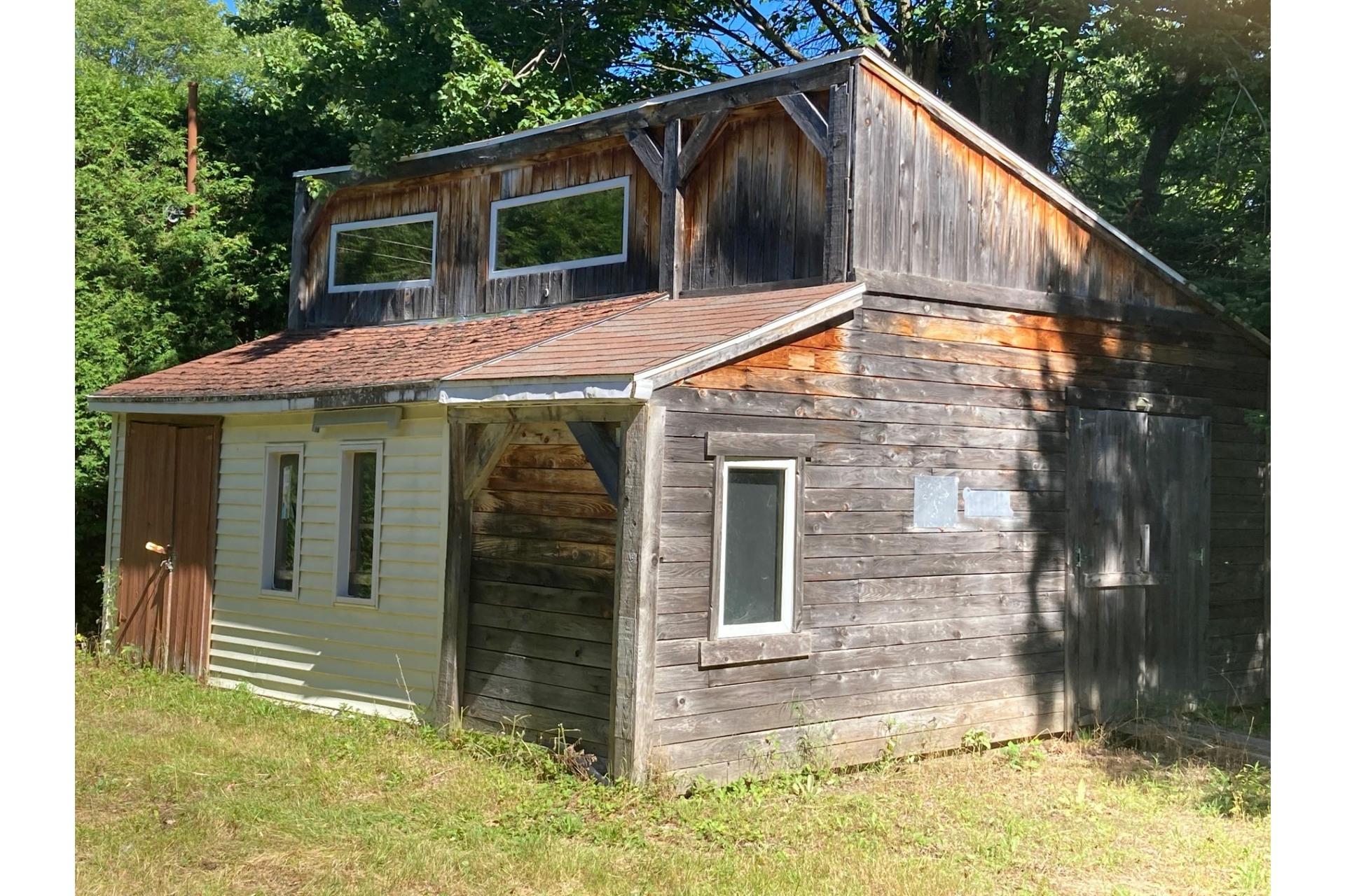 image 2 - House For sale Sainte-Mélanie - 8 rooms