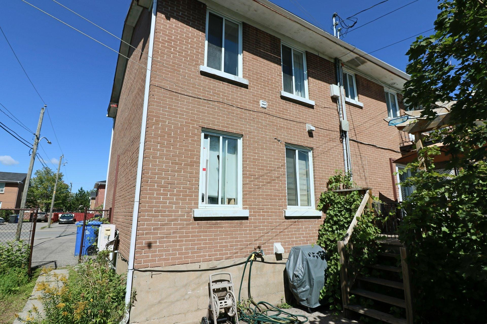 image 2 - Duplex For sale Trois-Rivières - 5 rooms