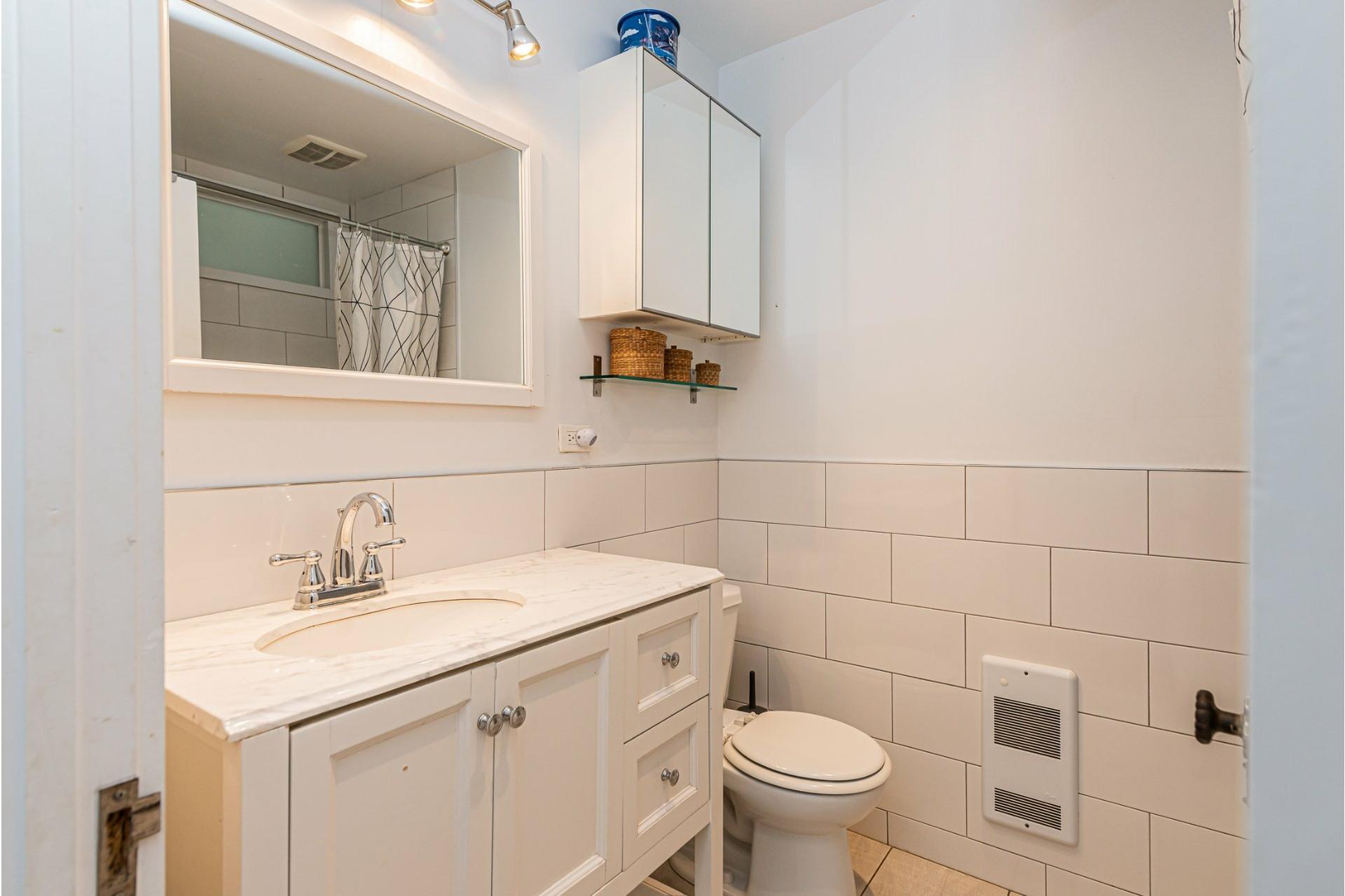 image 16 - Appartement À louer Côte-des-Neiges/Notre-Dame-de-Grâce Montréal  - 10 pièces