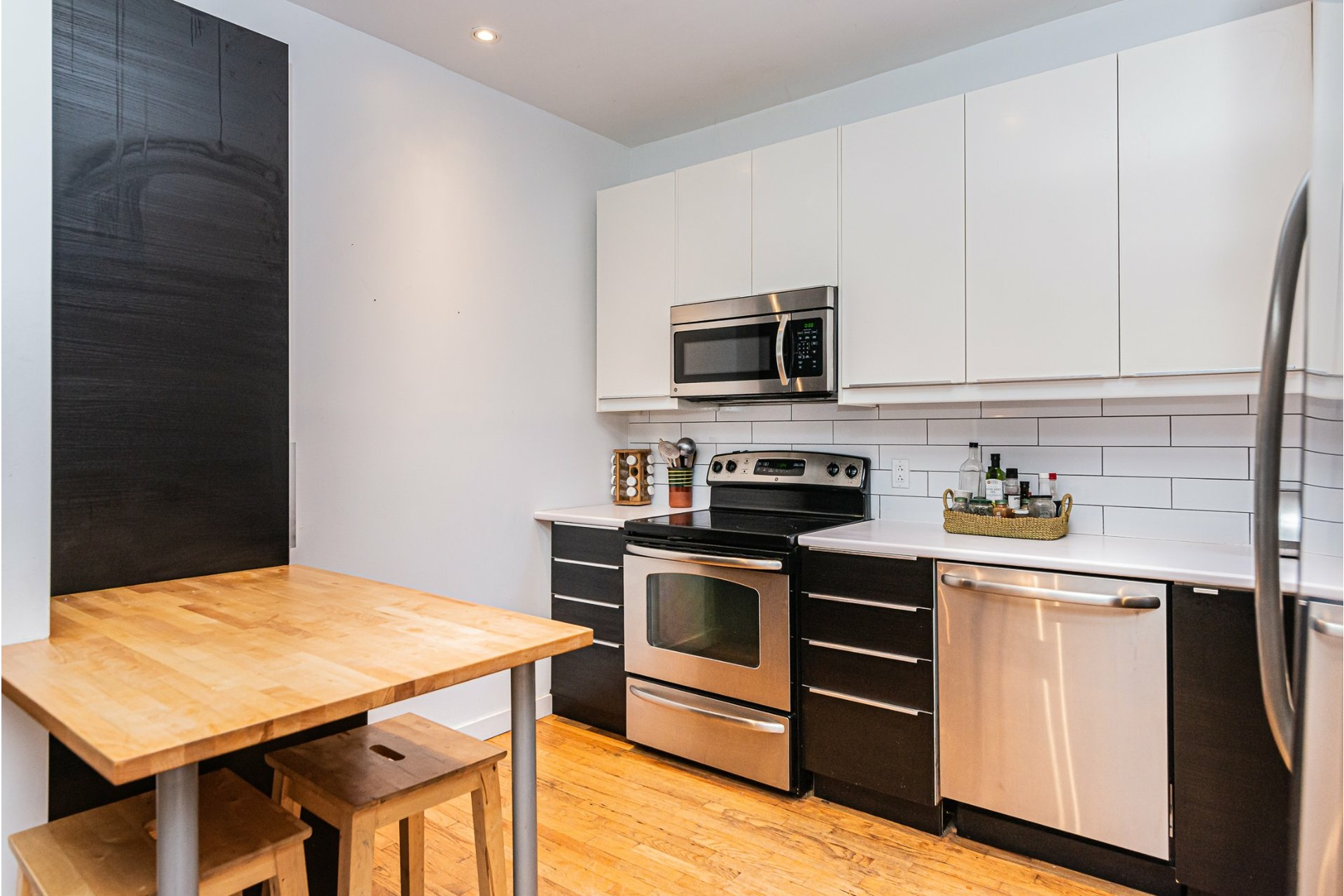 image 9 - Appartement À louer Côte-des-Neiges/Notre-Dame-de-Grâce Montréal  - 10 pièces