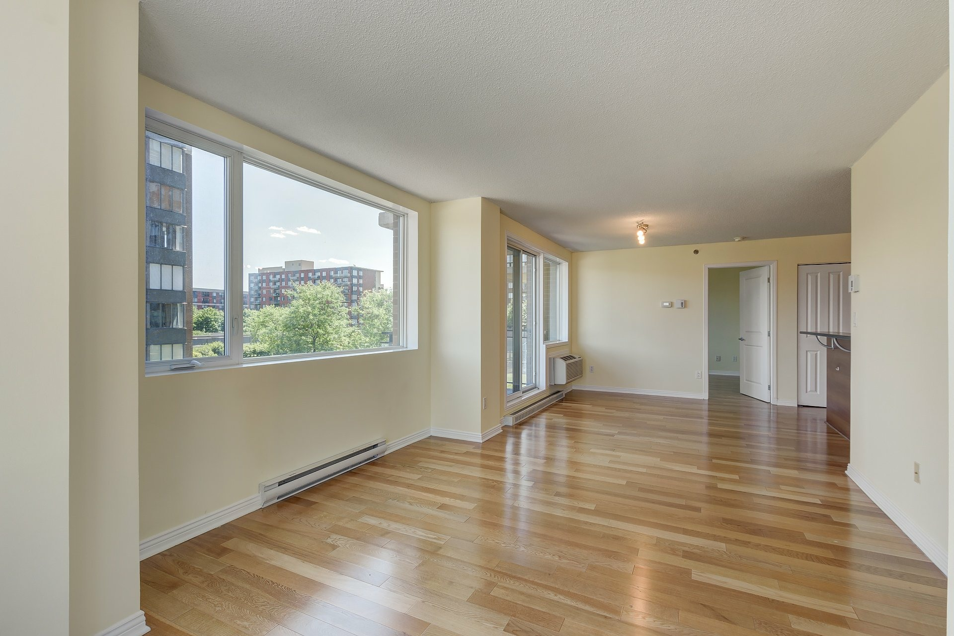 image 3 - Apartment For sale Ville-Marie Montréal  - 4 rooms
