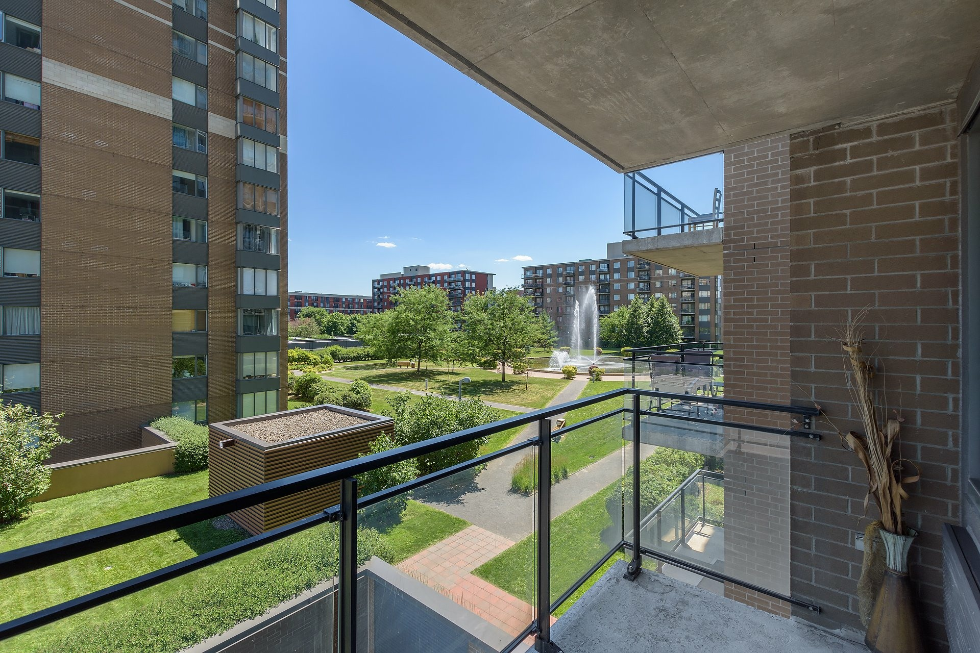 image 10 - Apartment For sale Ville-Marie Montréal  - 4 rooms