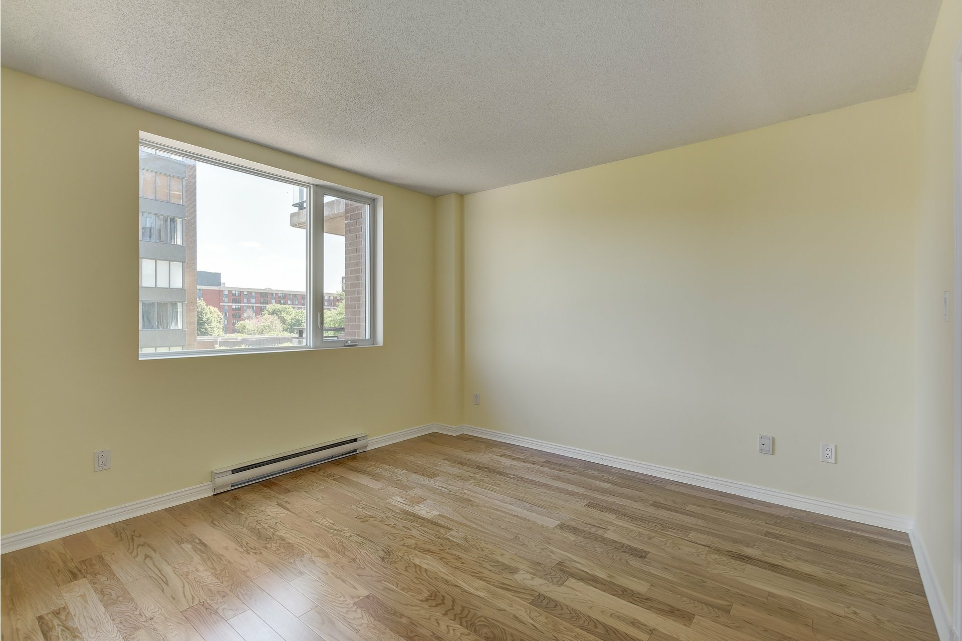 image 9 - Apartment For sale Ville-Marie Montréal  - 4 rooms