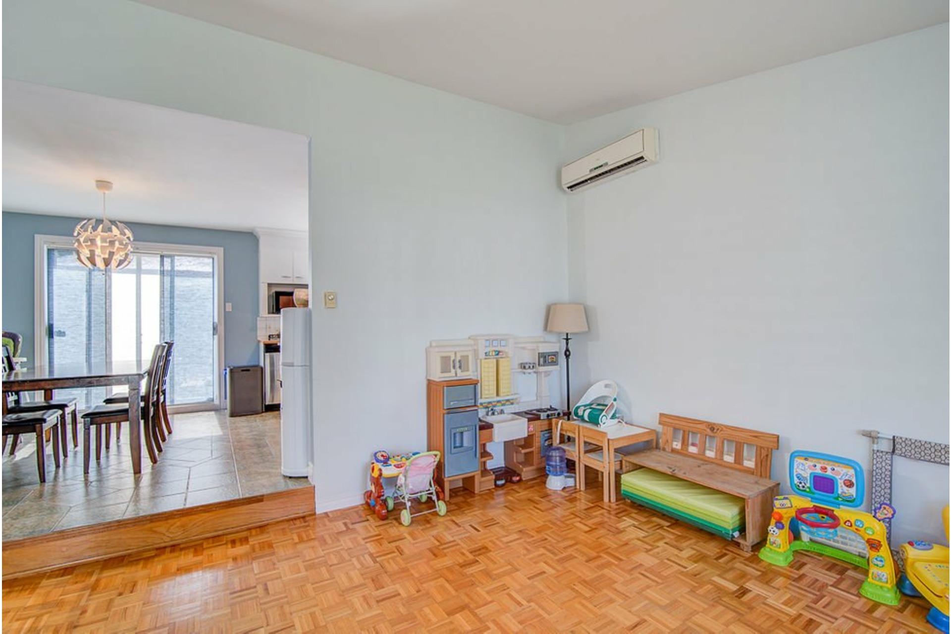 image 4 - Maison À vendre Sainte-Anne-des-Plaines - 12 pièces