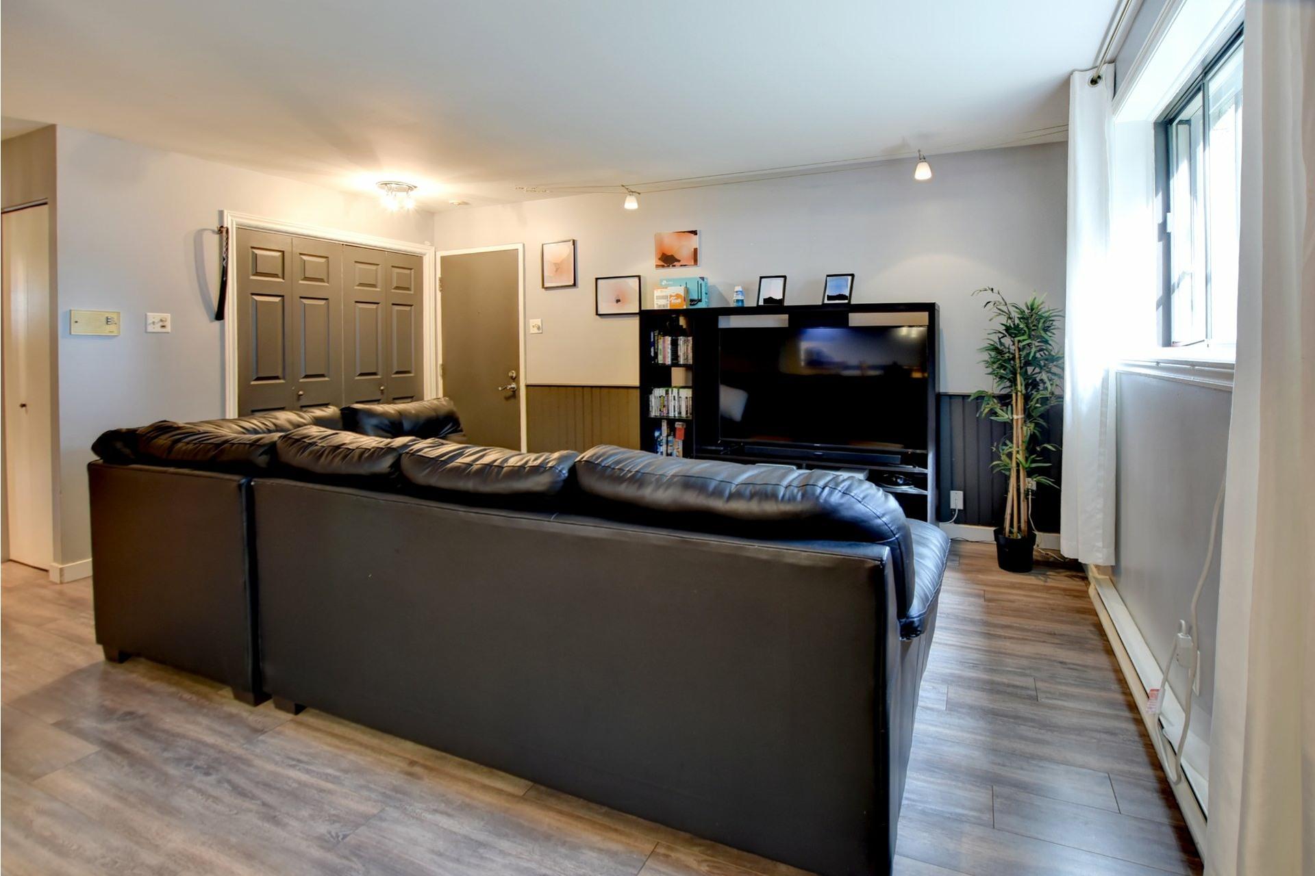 image 4 - Appartement À vendre Rivière-des-Prairies/Pointe-aux-Trembles Montréal  - 6 pièces