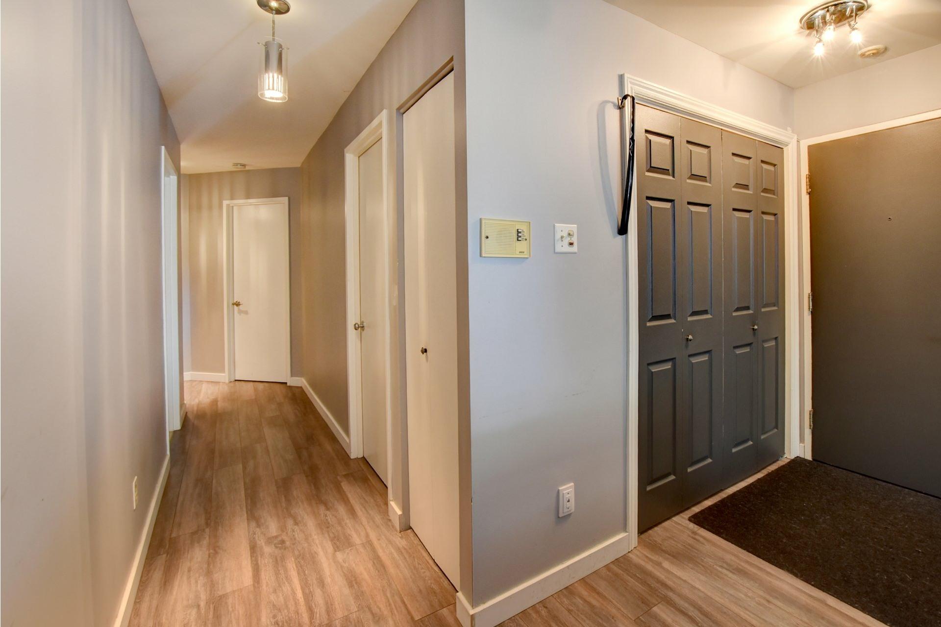 image 1 - Appartement À vendre Rivière-des-Prairies/Pointe-aux-Trembles Montréal  - 6 pièces