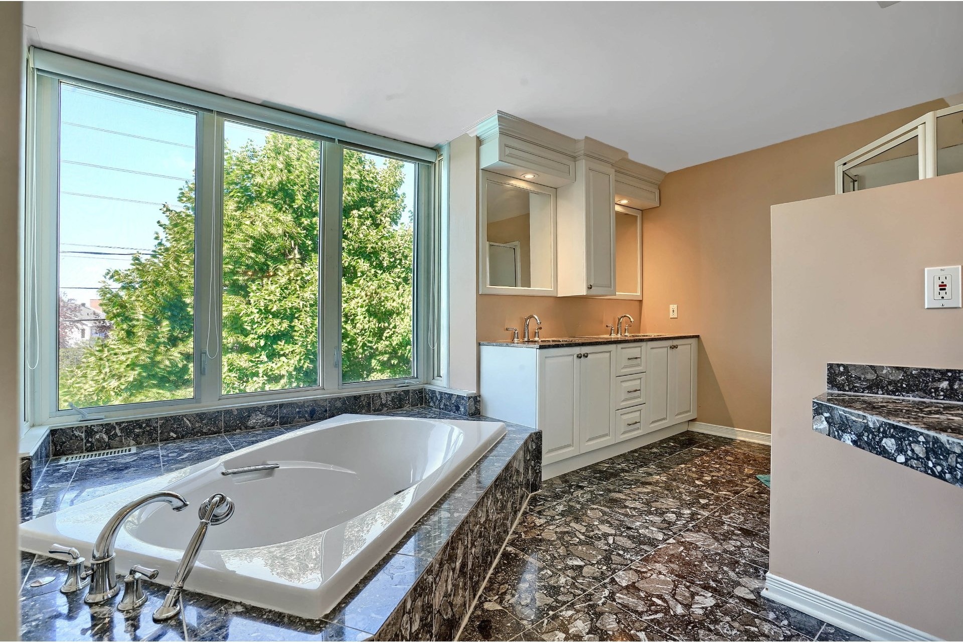 image 16 - House For sale Brossard - 18 rooms