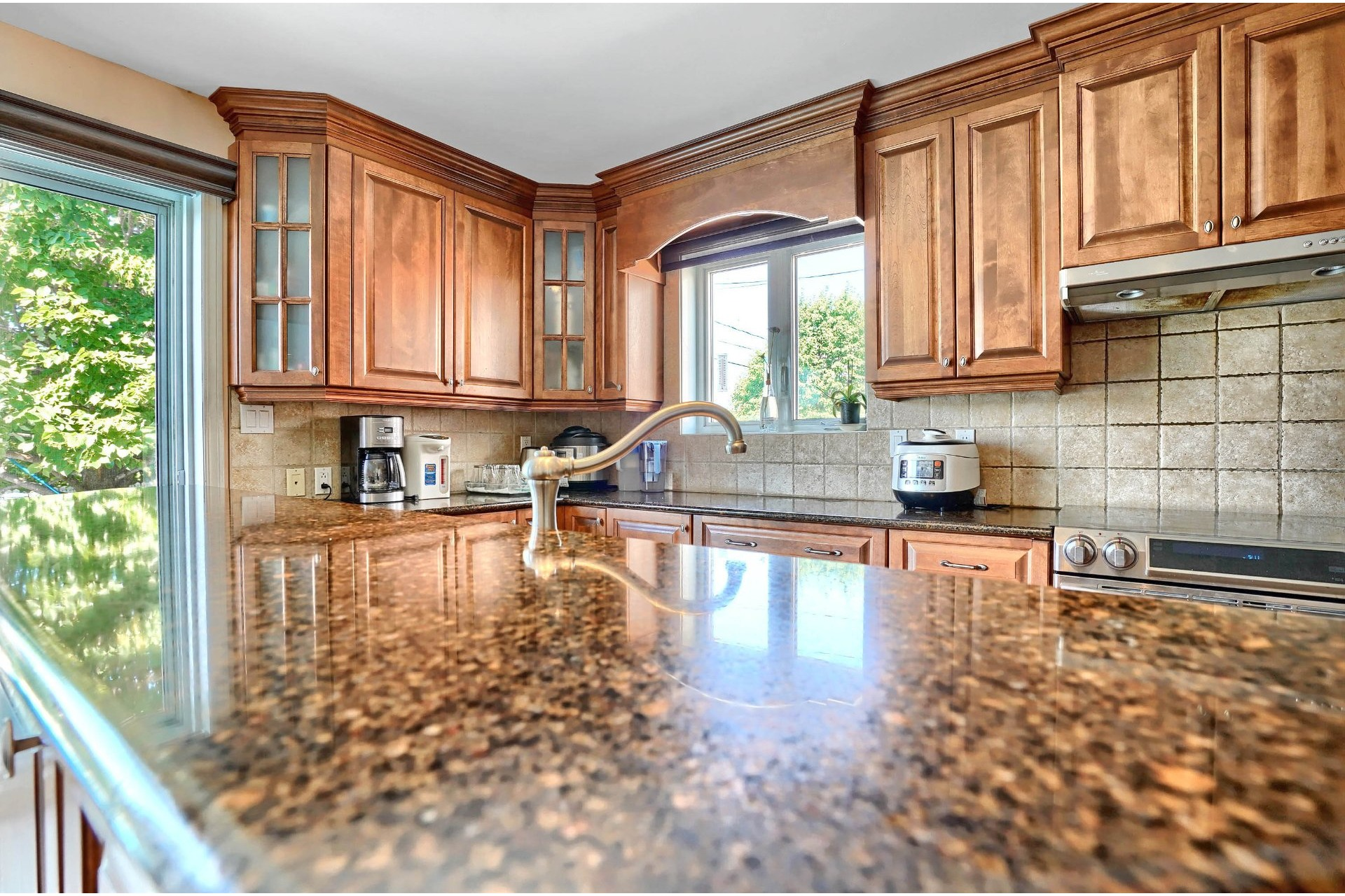 image 7 - House For sale Brossard - 18 rooms