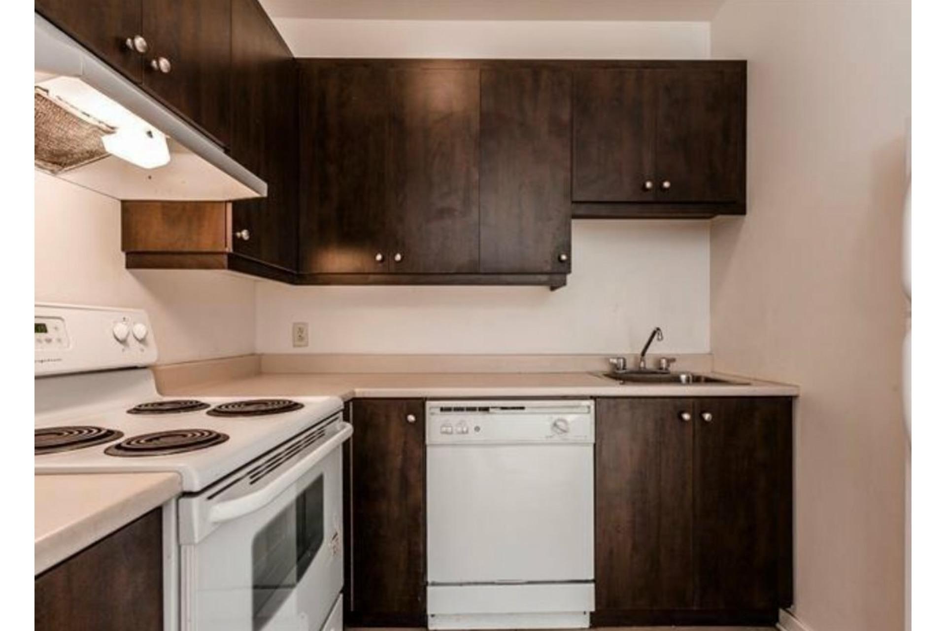 image 9 - Apartment For sale Côte-des-Neiges/Notre-Dame-de-Grâce Montréal  - 6 rooms
