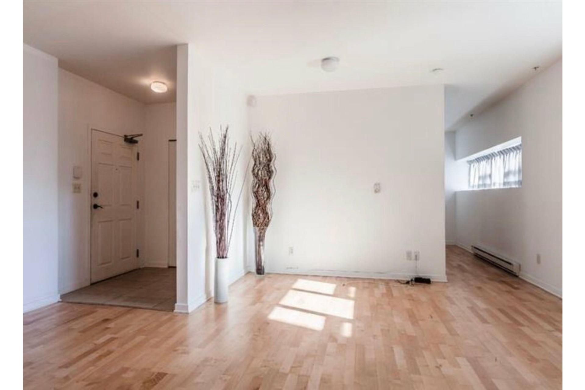 image 3 - Appartement À vendre Côte-des-Neiges/Notre-Dame-de-Grâce Montréal  - 6 pièces
