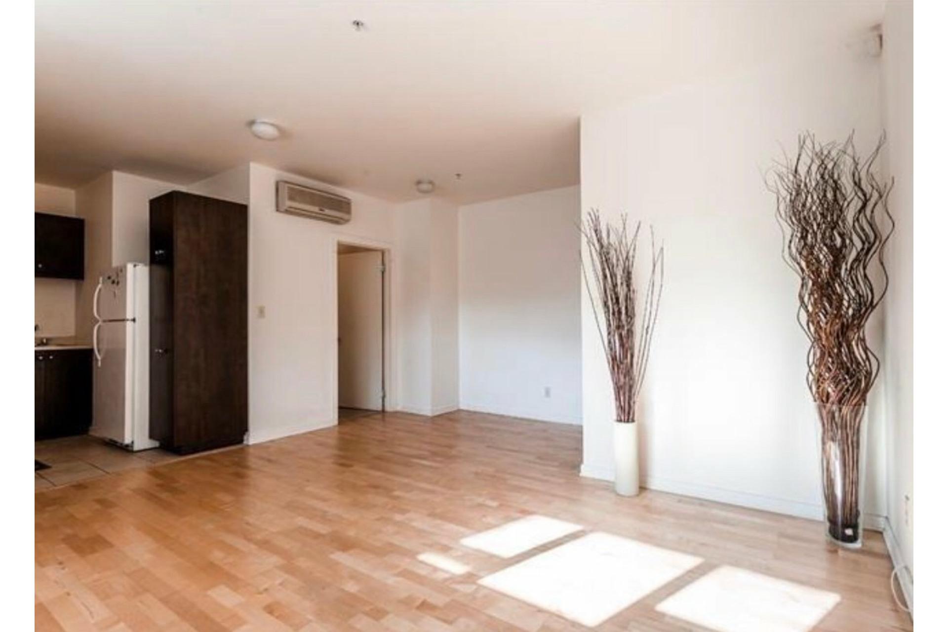 image 4 - Apartment For sale Côte-des-Neiges/Notre-Dame-de-Grâce Montréal  - 6 rooms