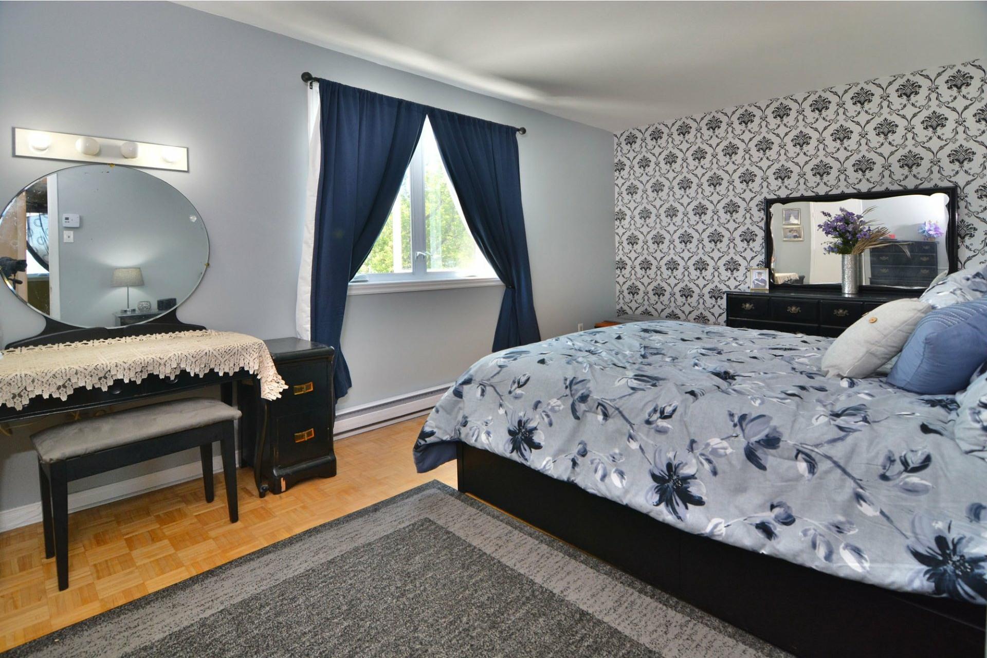 image 15 - Maison À vendre Pierrefonds-Roxboro Montréal  - 11 pièces