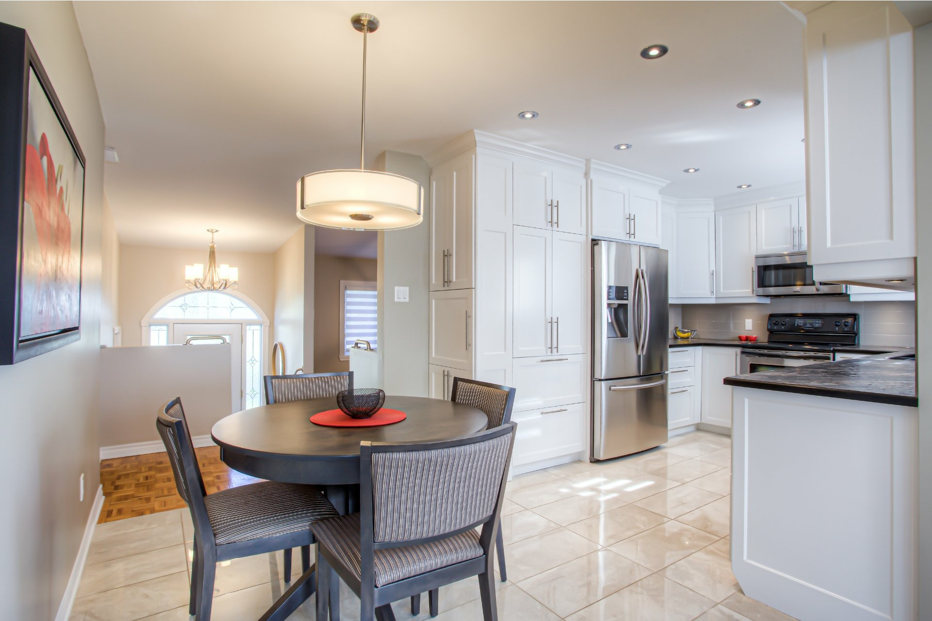 image 2 - House For sale Vaudreuil-Dorion - 11 rooms
