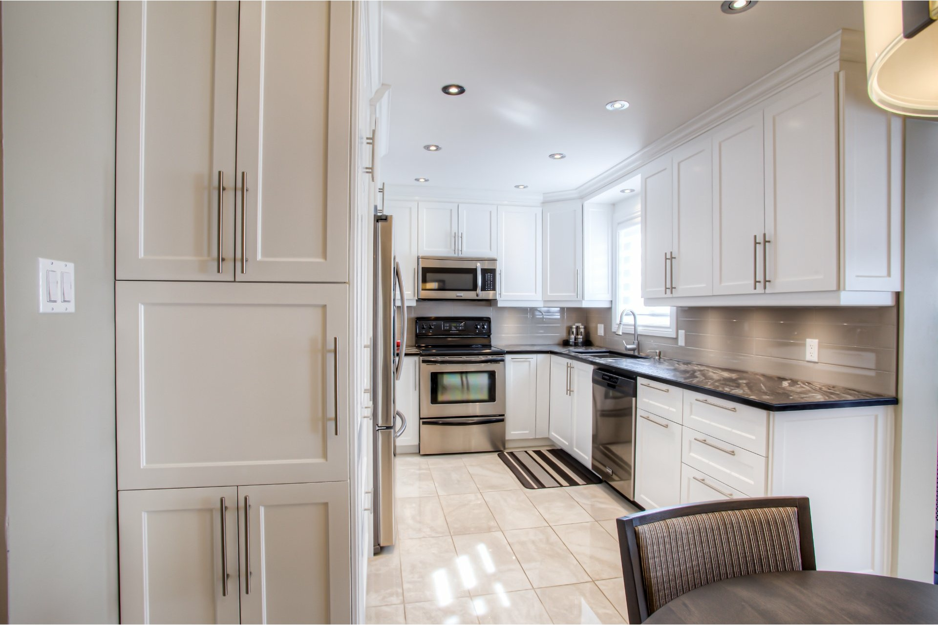 image 4 - House For sale Vaudreuil-Dorion - 11 rooms