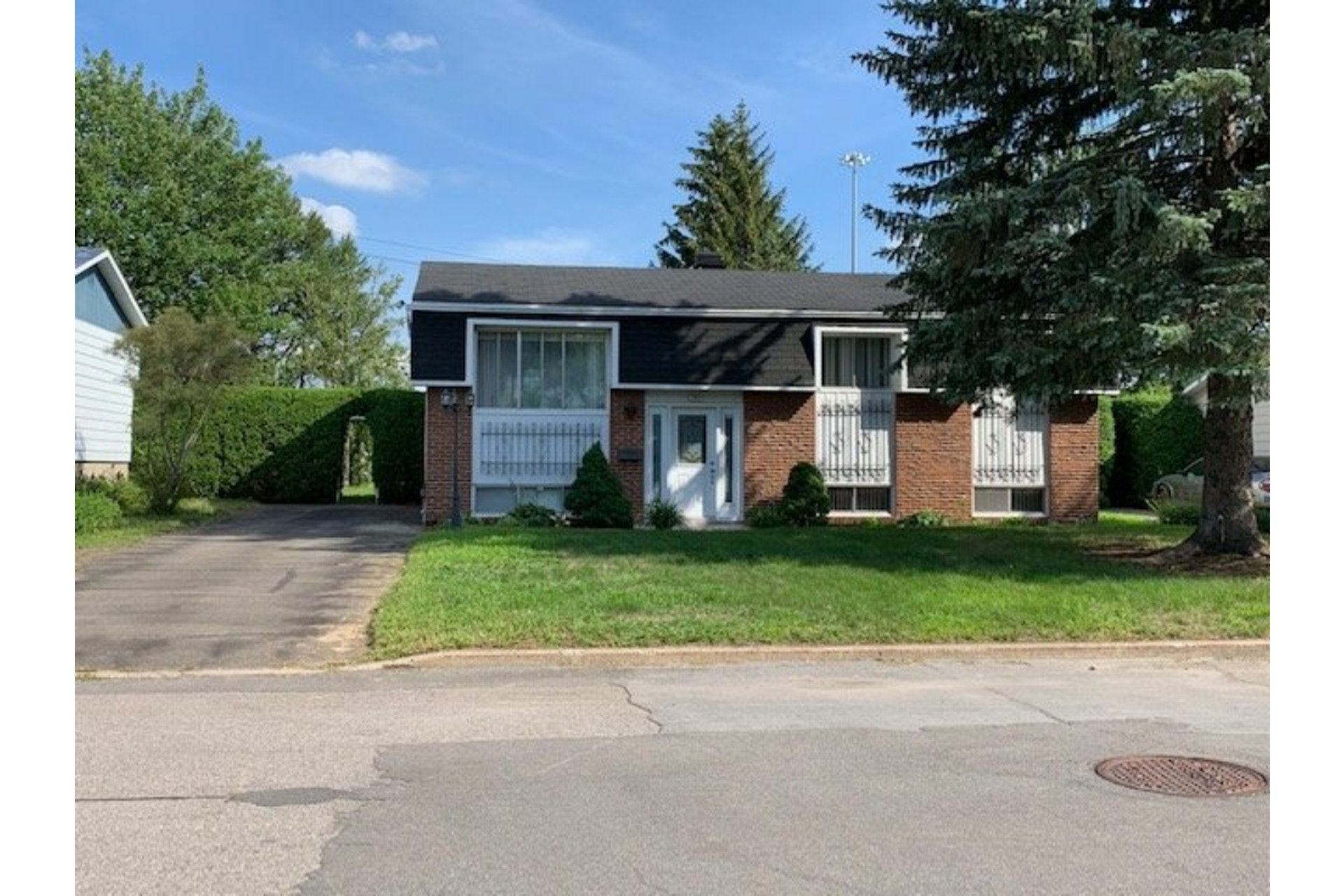 image 2 - House For sale Repentigny Repentigny  - 9 rooms