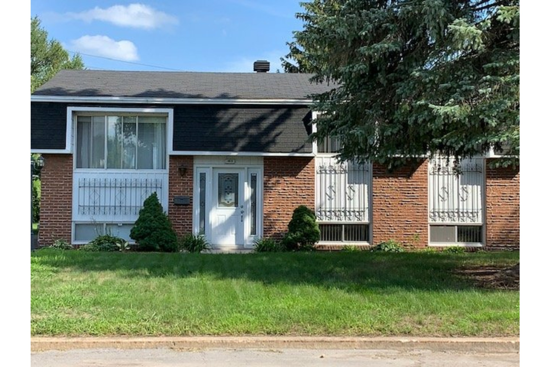 image 1 - House For sale Repentigny Repentigny  - 9 rooms