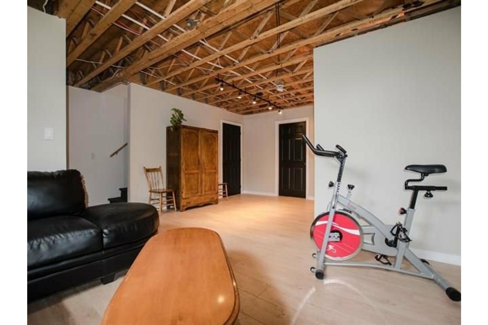 image 22 - House For sale Saint-Rémi - 11 rooms