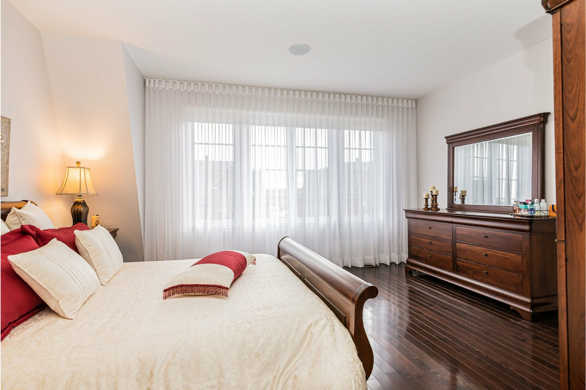 House For sale Saint-Laurent Montréal  - 12 rooms