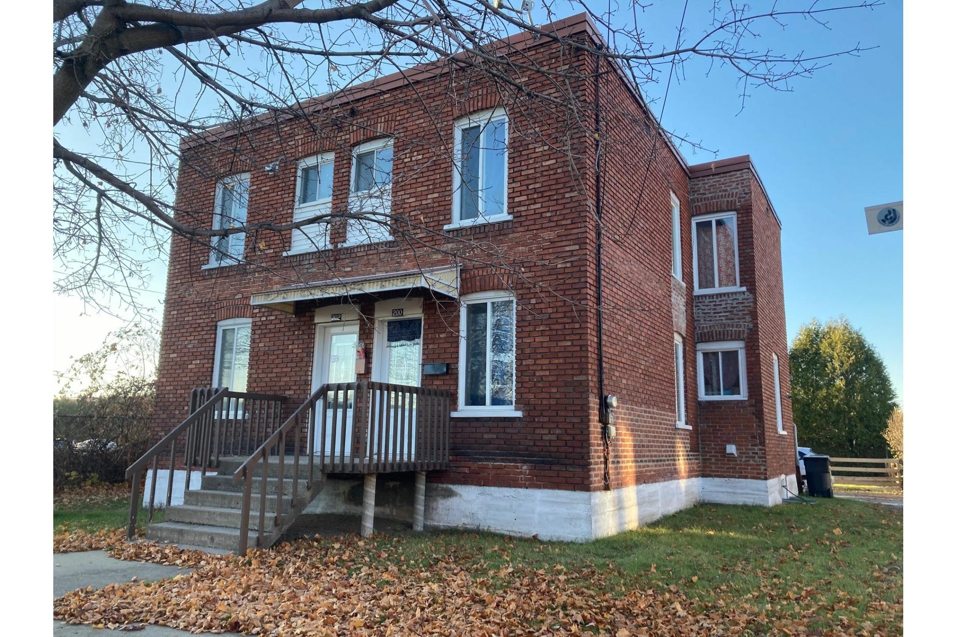 image 0 - Duplex For sale Joliette - 4 rooms