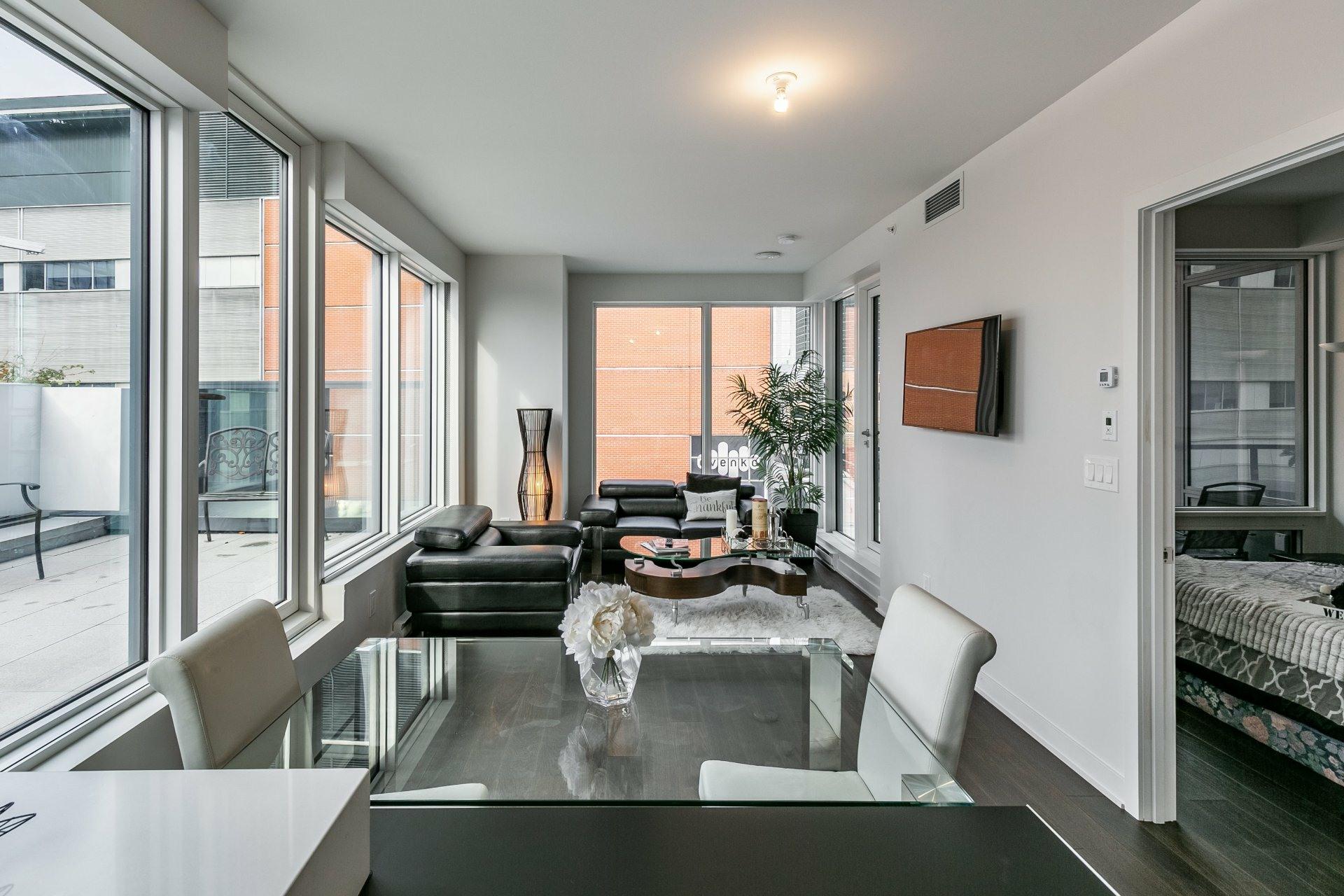 image 10 - Apartment For rent Ville-Marie Montréal  - 5 rooms