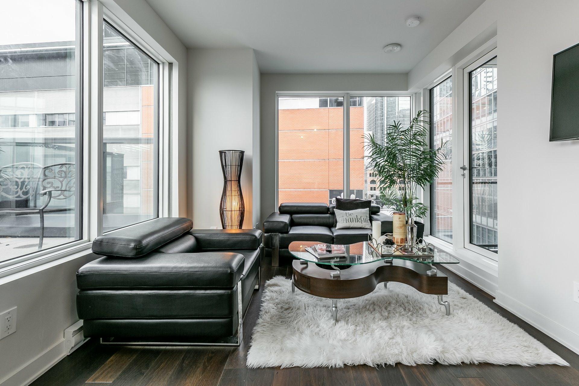 image 8 - Apartment For rent Ville-Marie Montréal  - 5 rooms