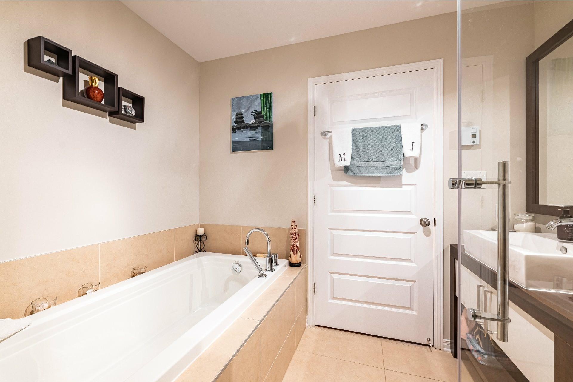 image 18 - Appartement À vendre Vaudreuil-Dorion - 9 pièces