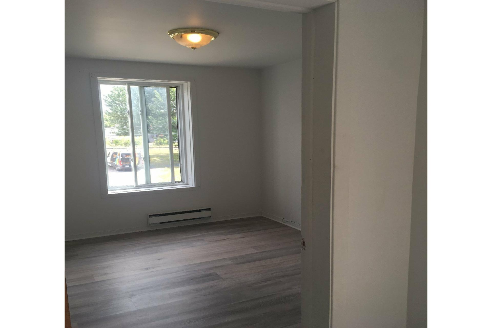 image 12 - Duplex For sale Joliette - 4 rooms