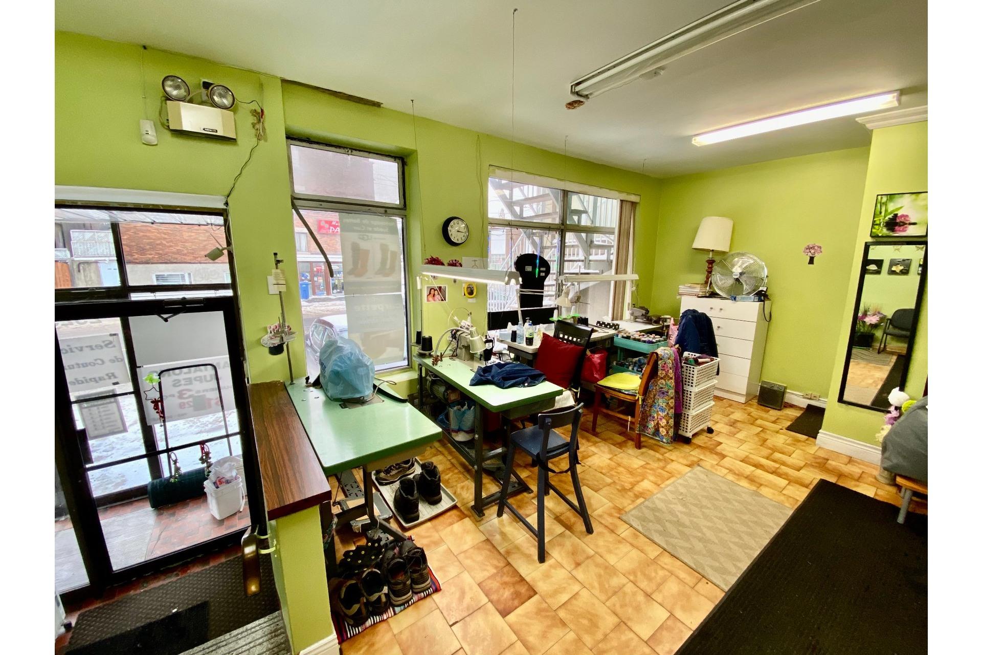 image 2 - Quadruplex En venta Lachine Montréal  - 5 habitaciones