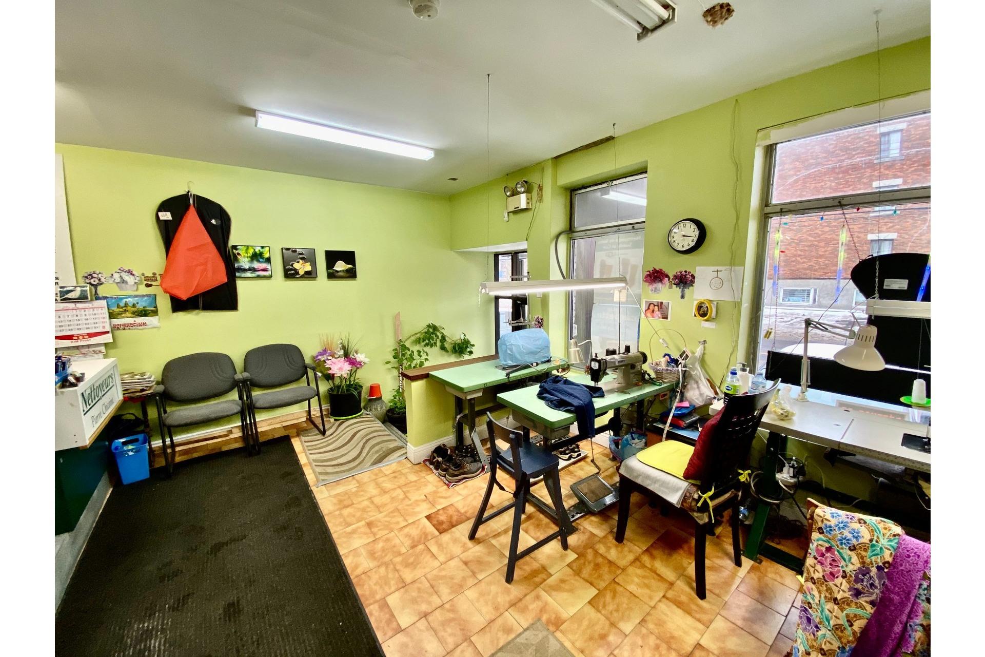 image 3 - Quadruplex En venta Lachine Montréal  - 5 habitaciones