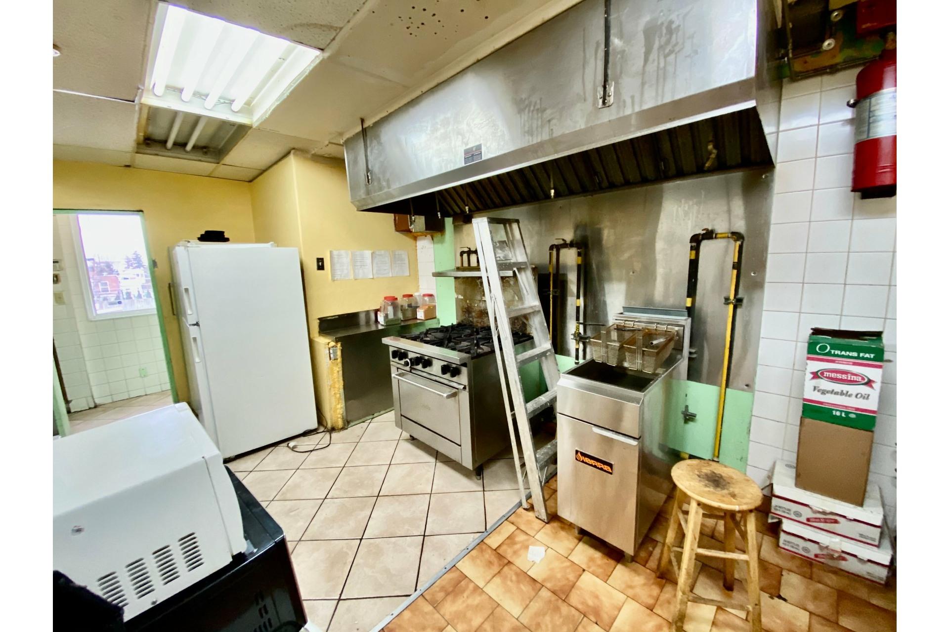 image 10 - Quadruplex En venta Lachine Montréal  - 5 habitaciones