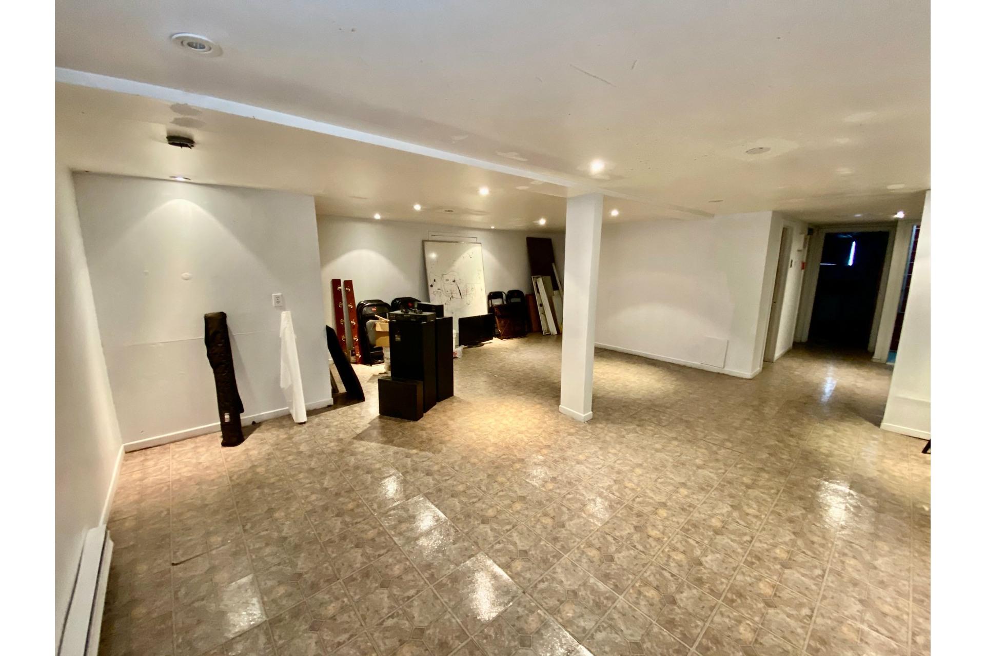 image 12 - Quadruplex En venta Lachine Montréal  - 5 habitaciones