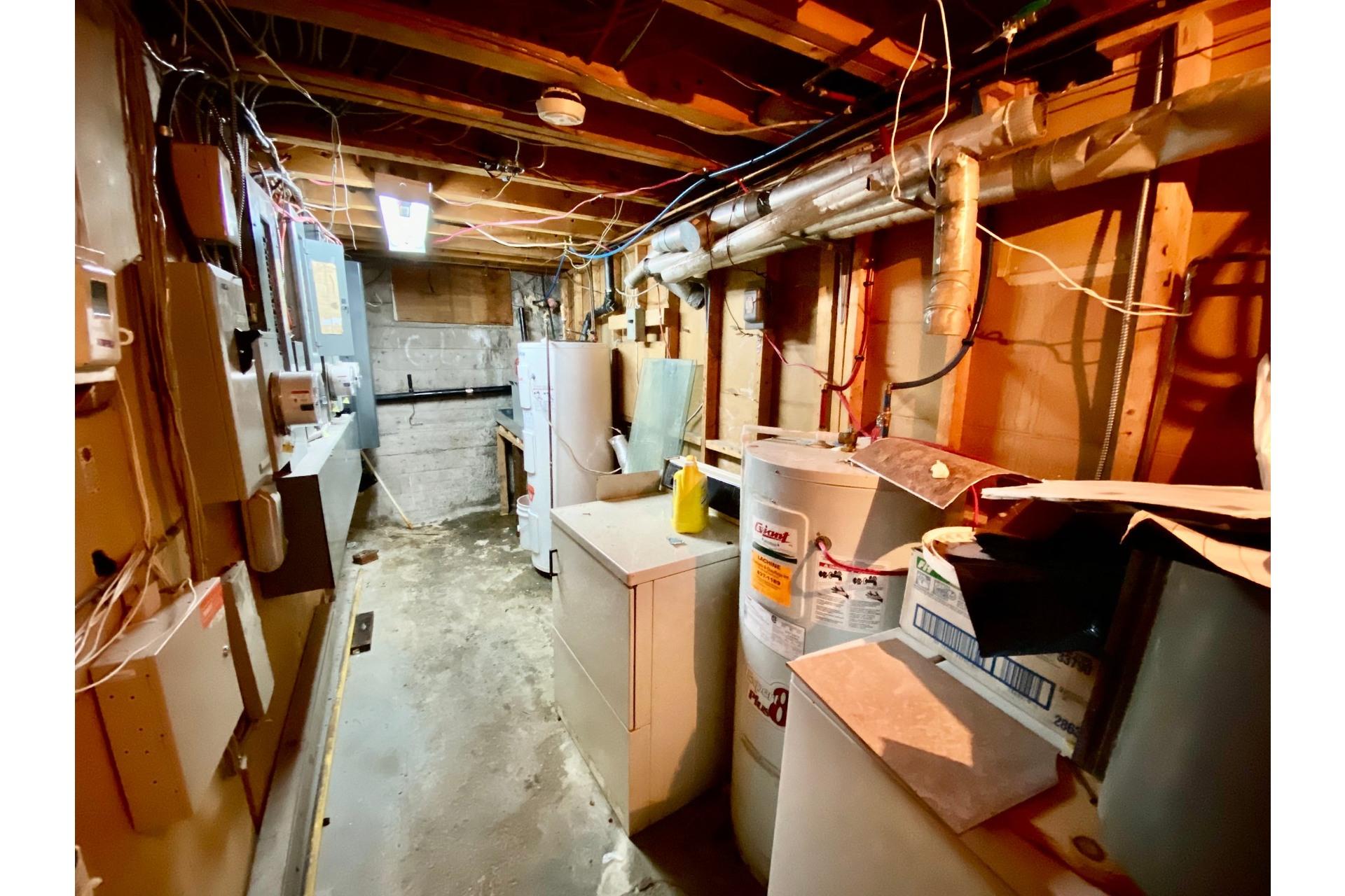 image 13 - Quadruplex En venta Lachine Montréal  - 5 habitaciones
