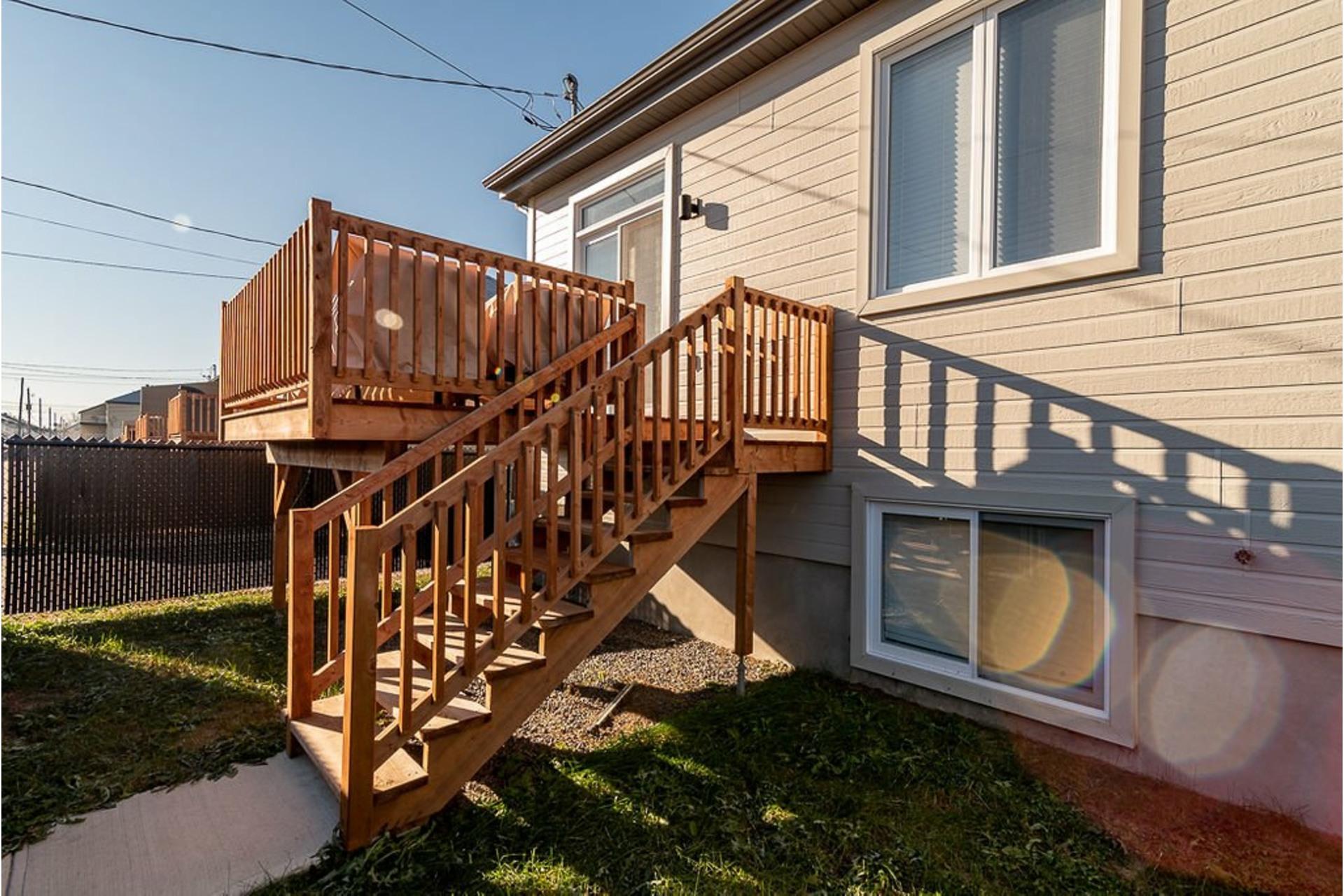 image 3 - House For sale Sainte-Anne-des-Plaines - 10 rooms