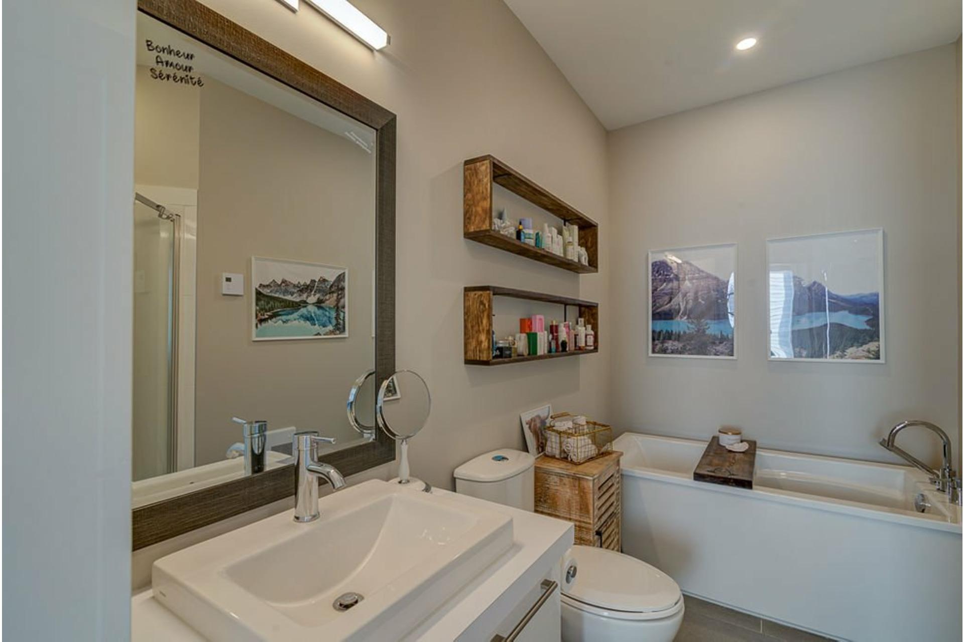 image 15 - House For sale Sainte-Anne-des-Plaines - 10 rooms