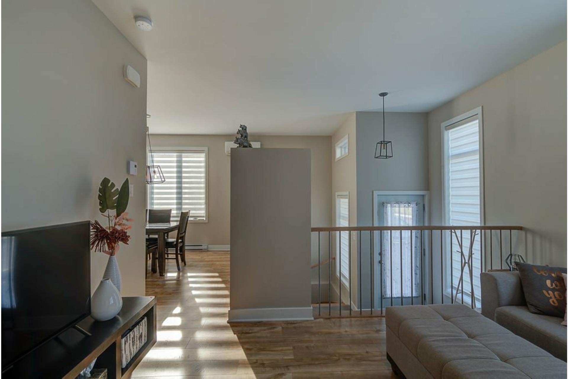 image 6 - House For sale Sainte-Anne-des-Plaines - 10 rooms
