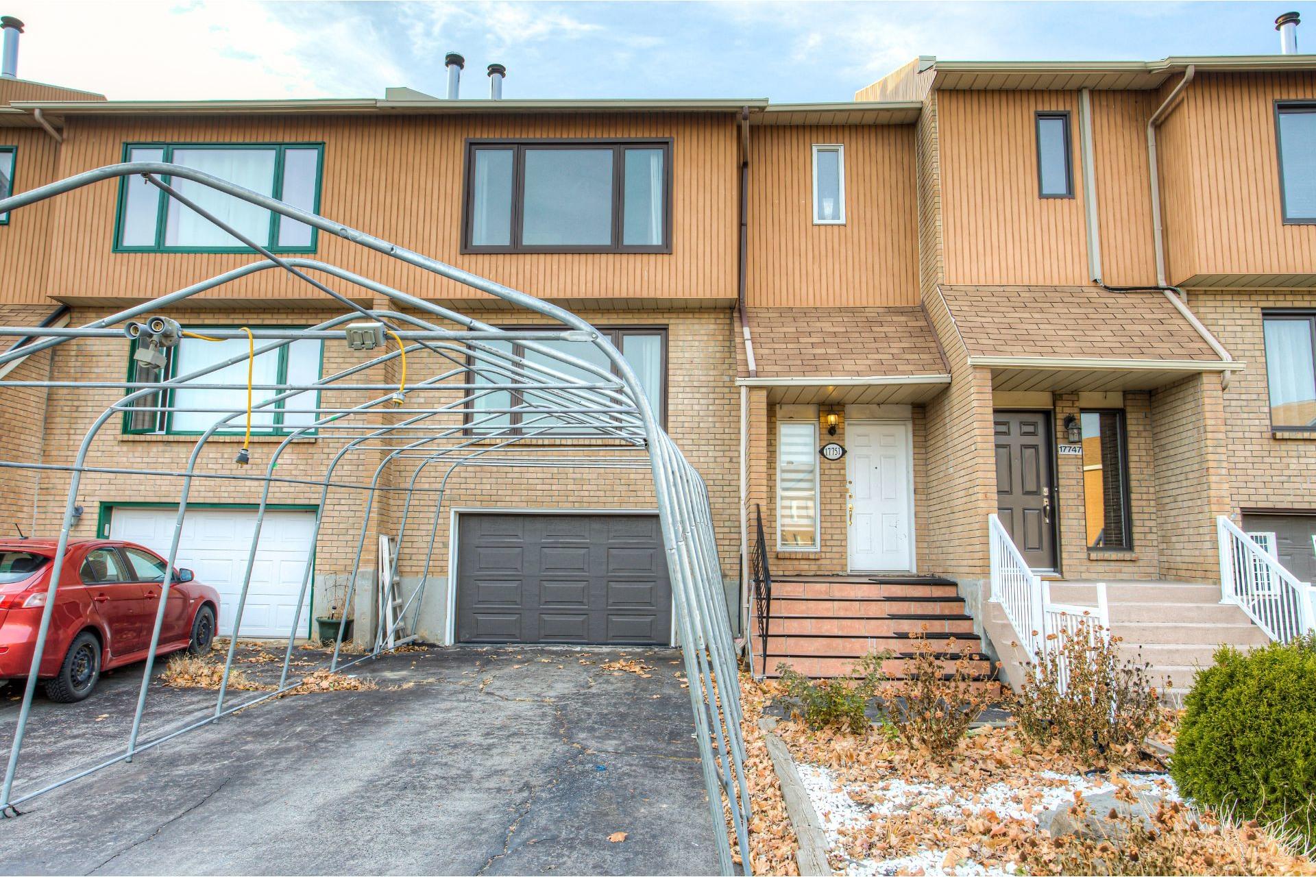 image 1 - Maison À vendre Pierrefonds-Roxboro Montréal  - 8 pièces