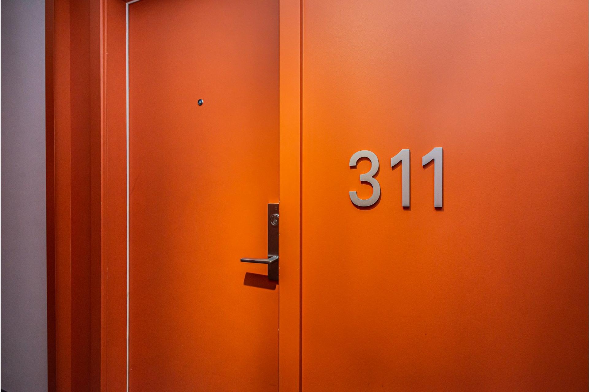 image 18 - Appartement À louer Le Sud-Ouest Montréal  - 5 pièces