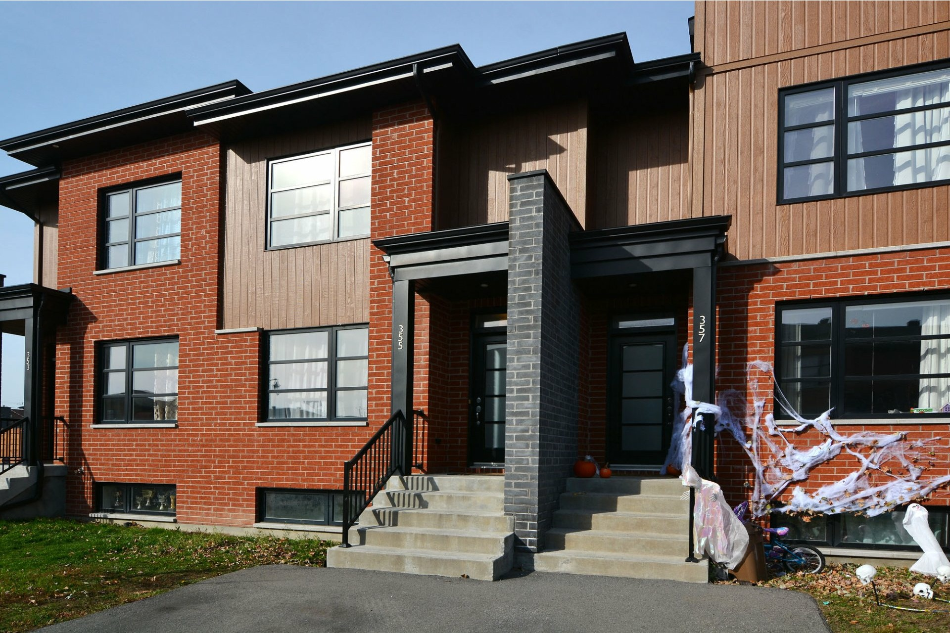 image 0 - House For sale Vaudreuil-Dorion - 7 rooms