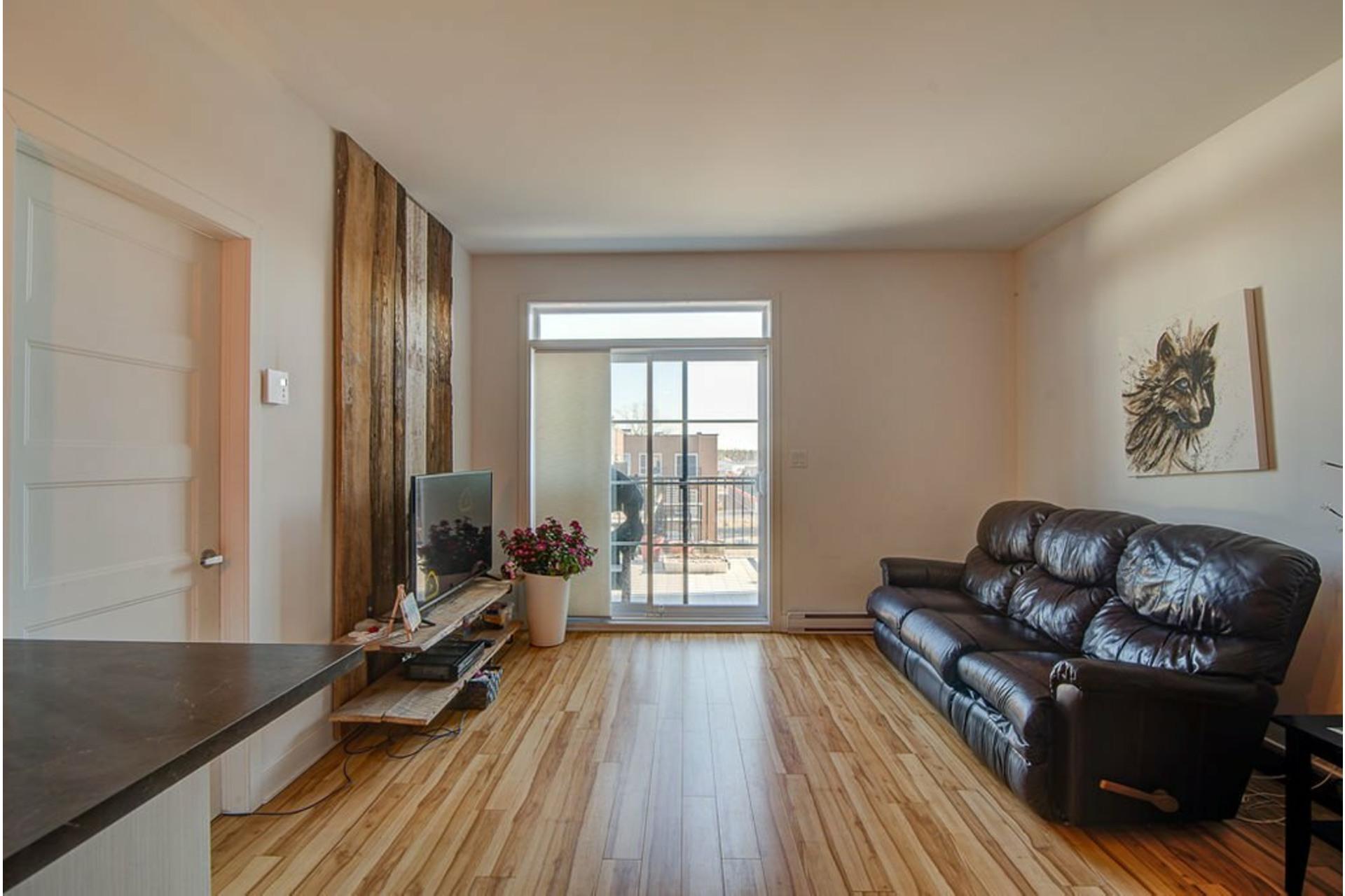 image 3 - Appartement À vendre Sainte-Anne-des-Plaines - 7 pièces