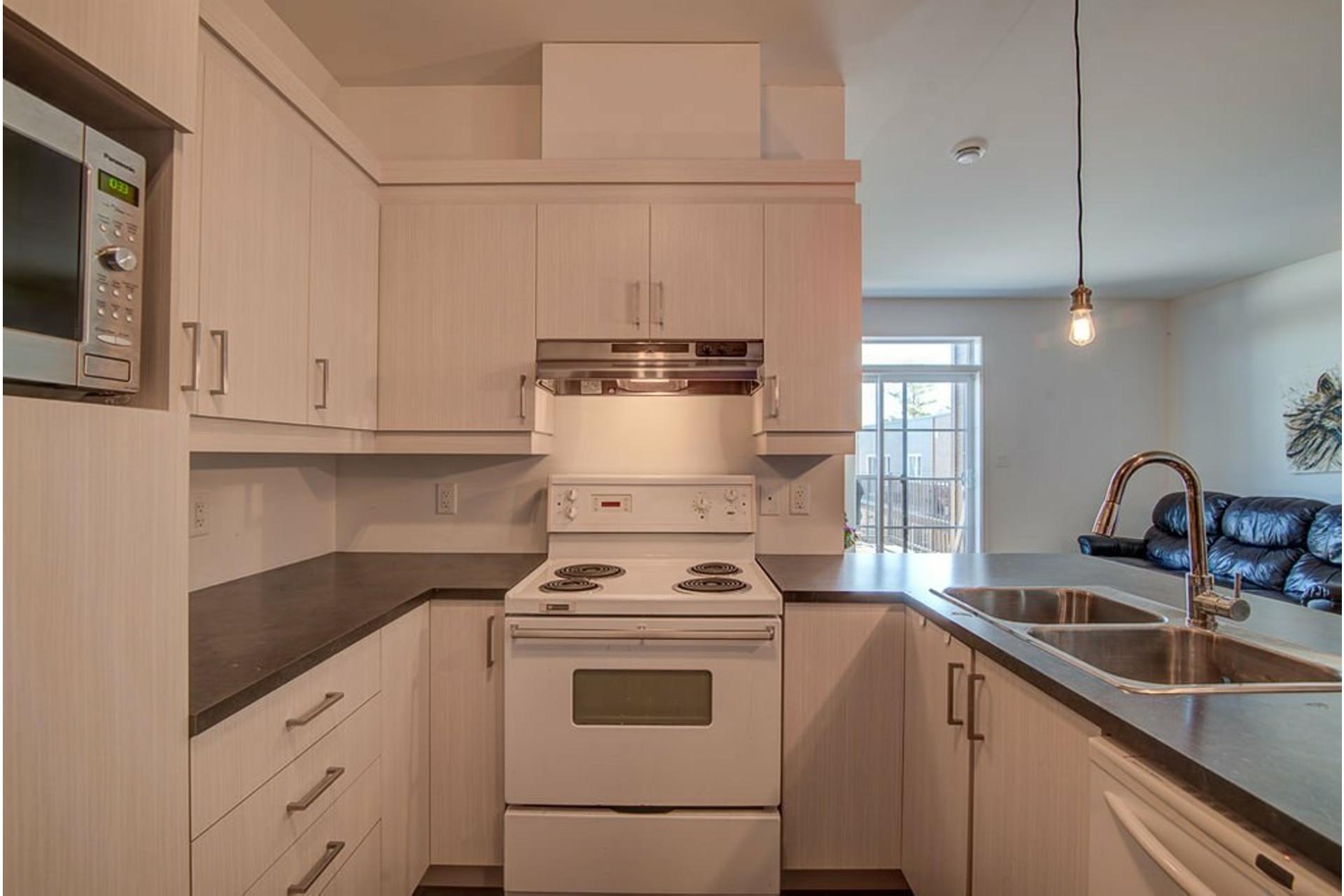 image 9 - Appartement À vendre Sainte-Anne-des-Plaines - 7 pièces