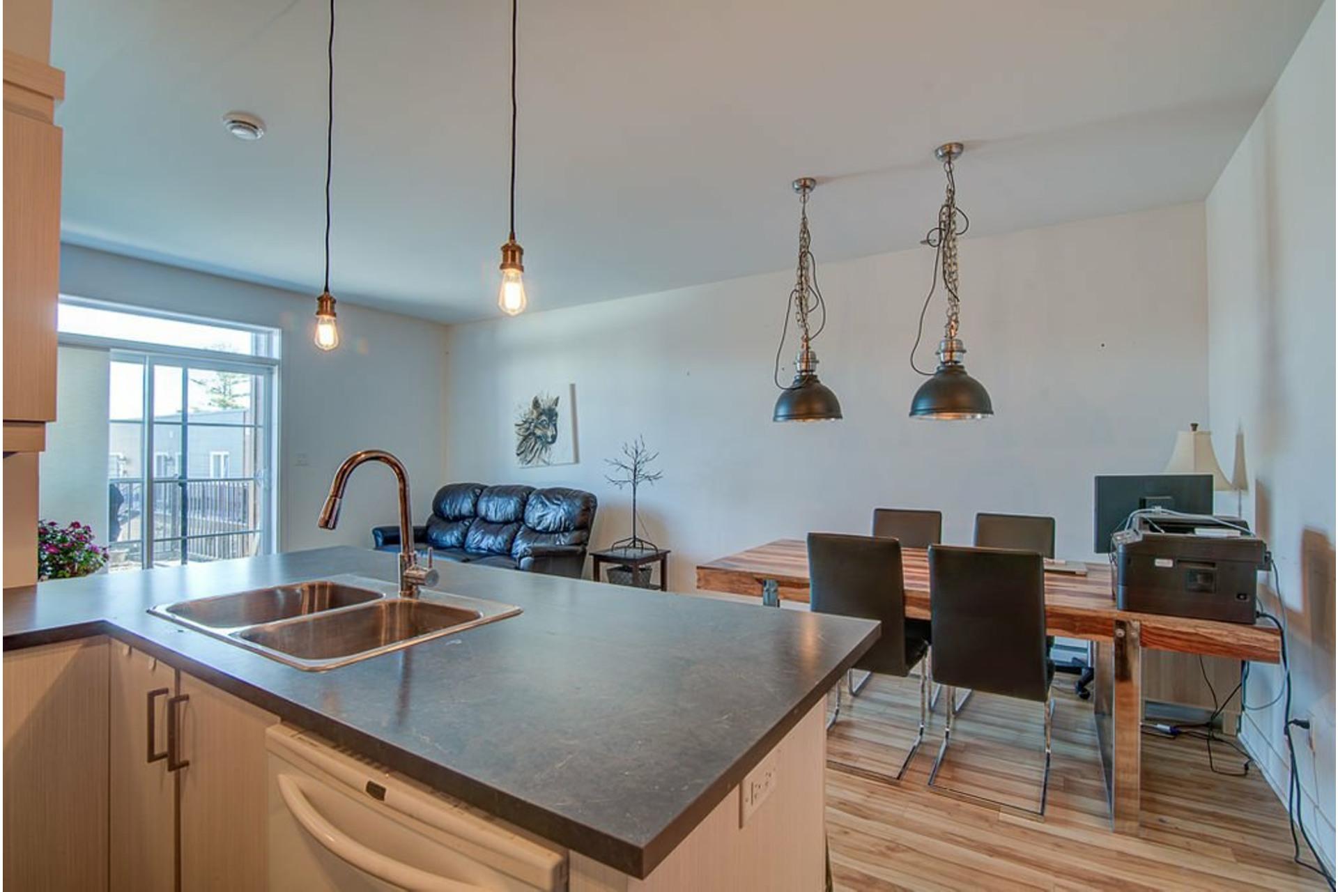 image 22 - Appartement À vendre Sainte-Anne-des-Plaines - 7 pièces